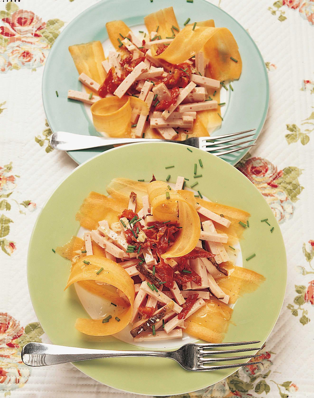 Fleischkäse-Salat