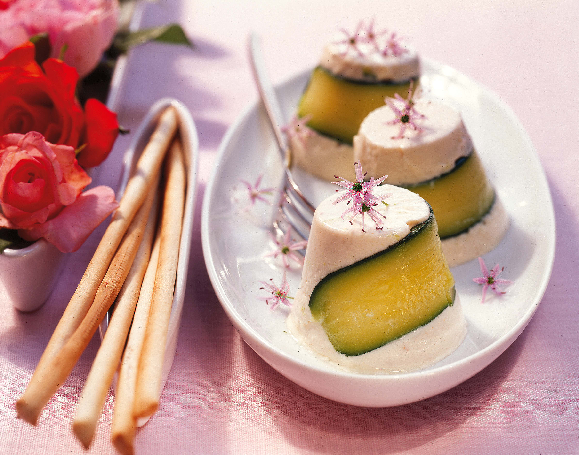 Zucchini-Timbales mit Forelle