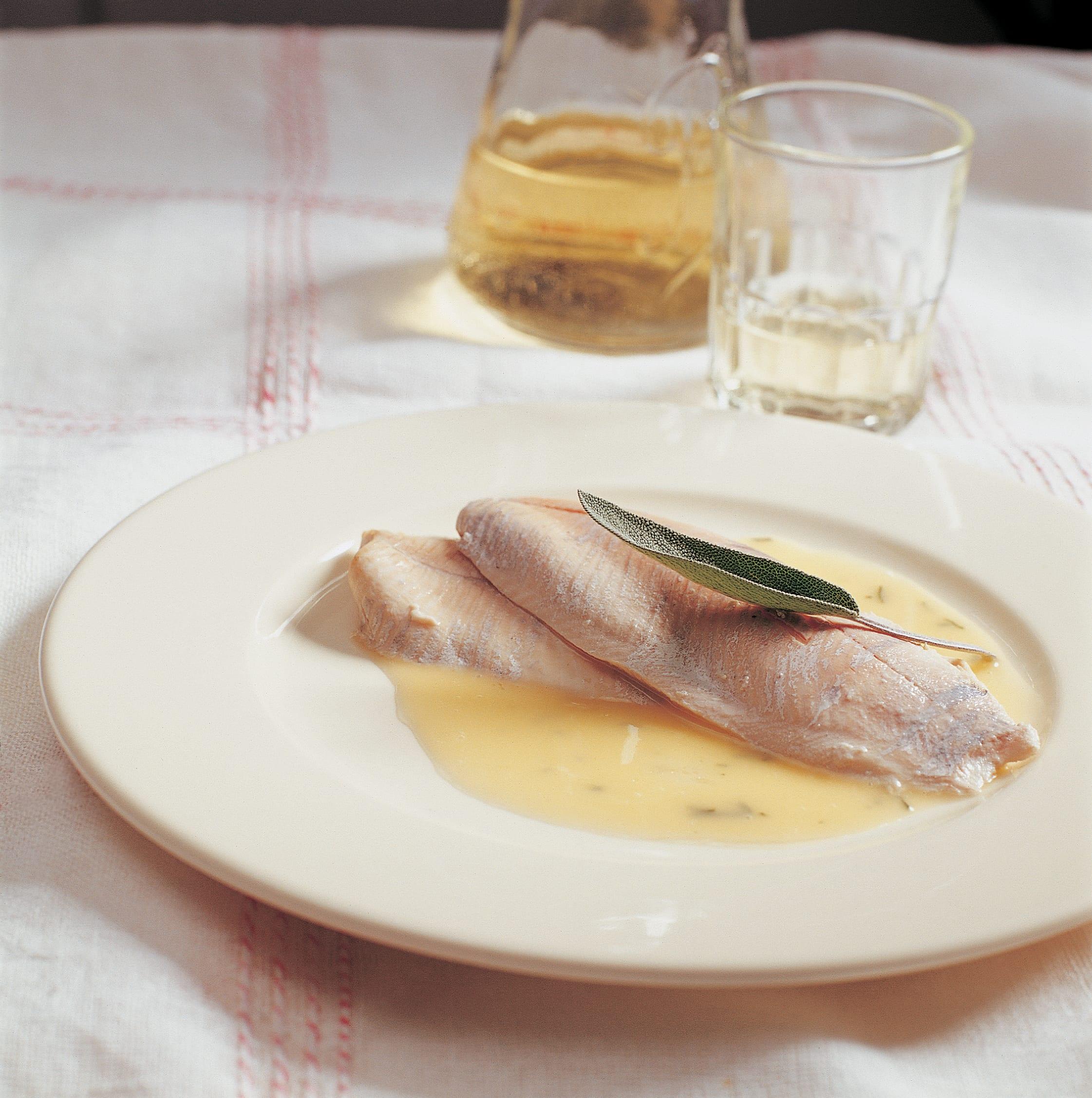 Filets de truite à la dôle blanche et au beurre de sauge