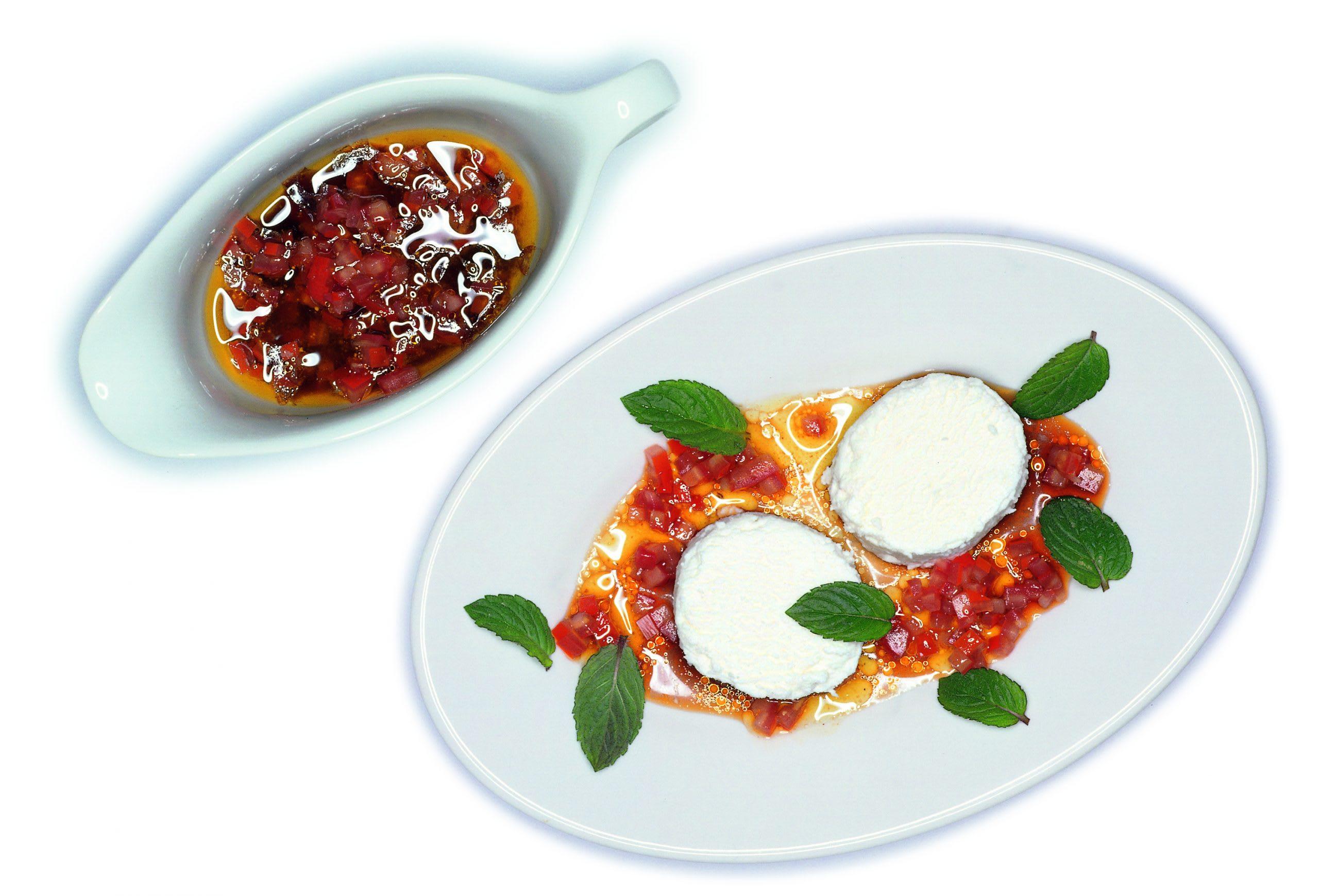 Formagginis à la menthe et vinaigrette à la tomate