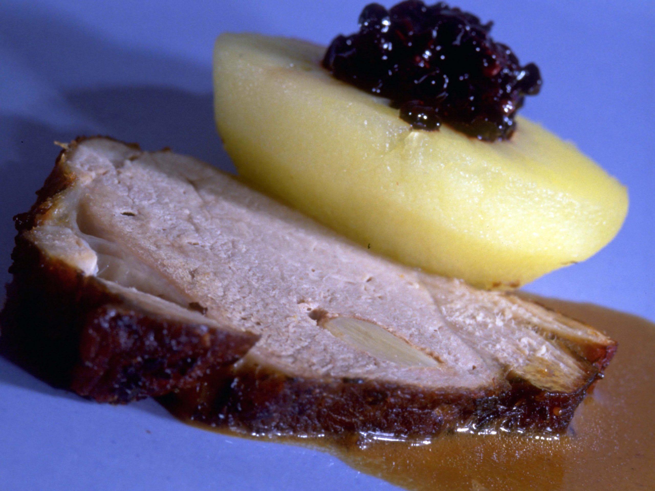 Rôti de porc aux pommes farcies à la mode de Frauenfeld