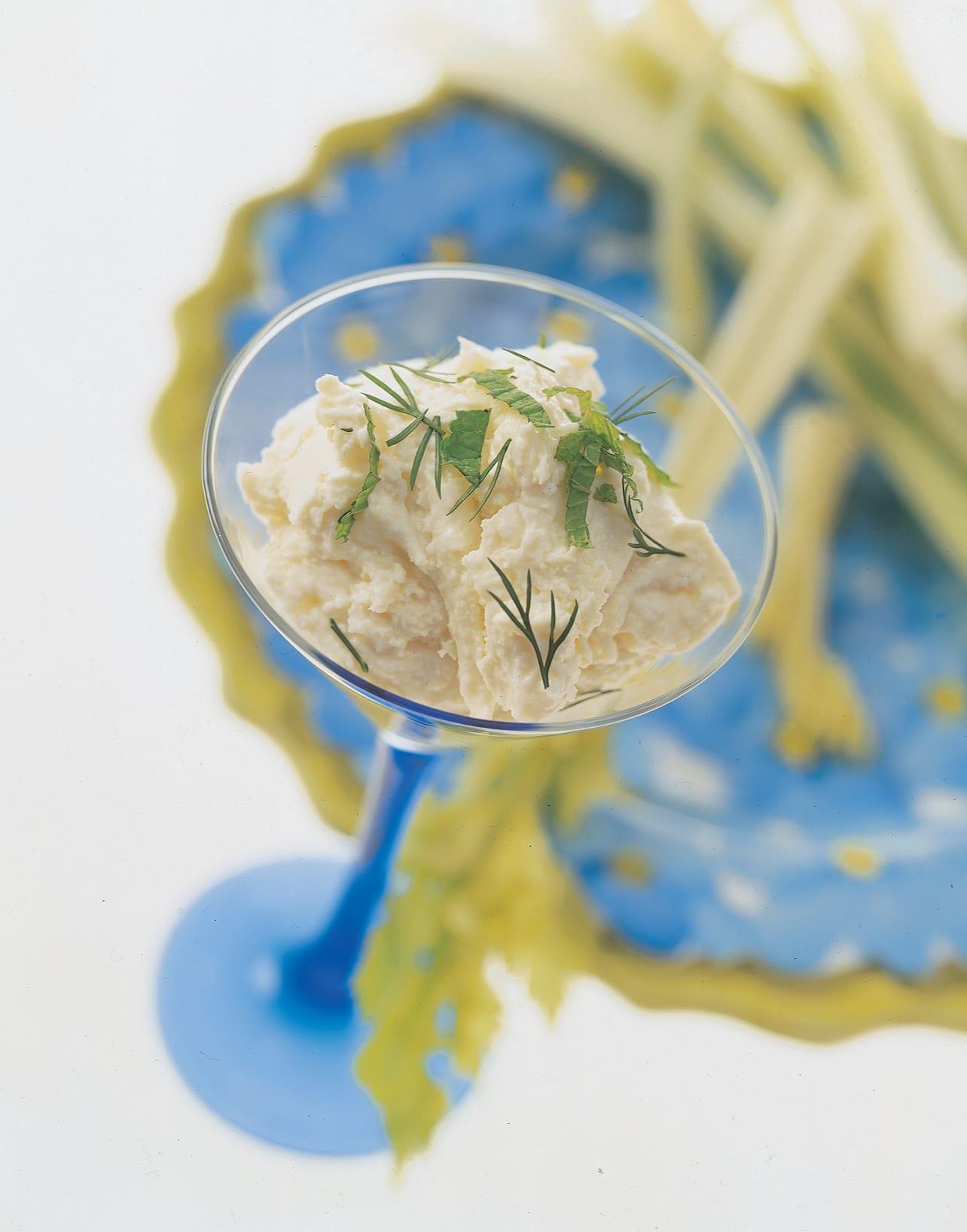 Frischkäse-Dip mit Stangensellerie