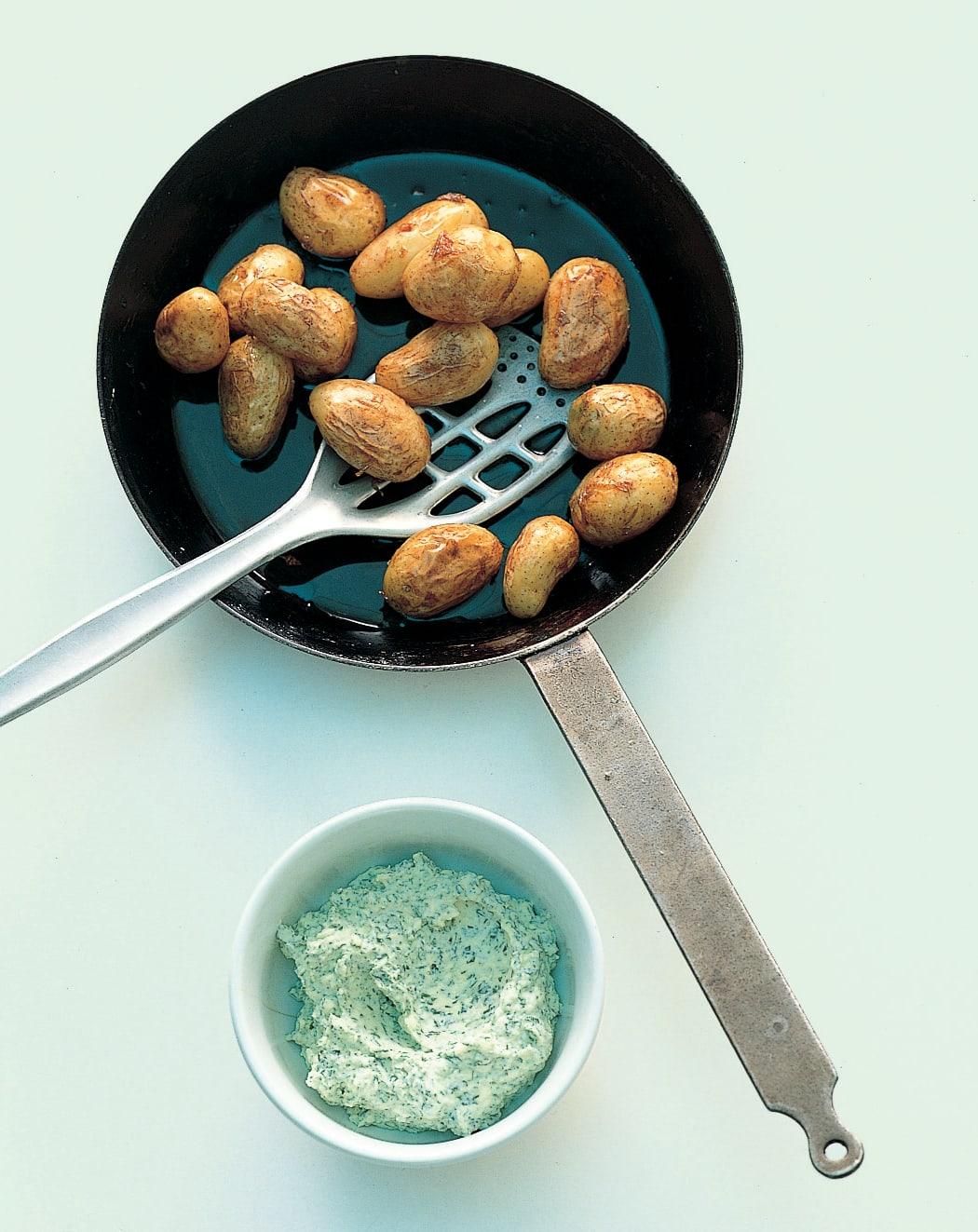 Pommes de terre nouvelles au beurre de séré
