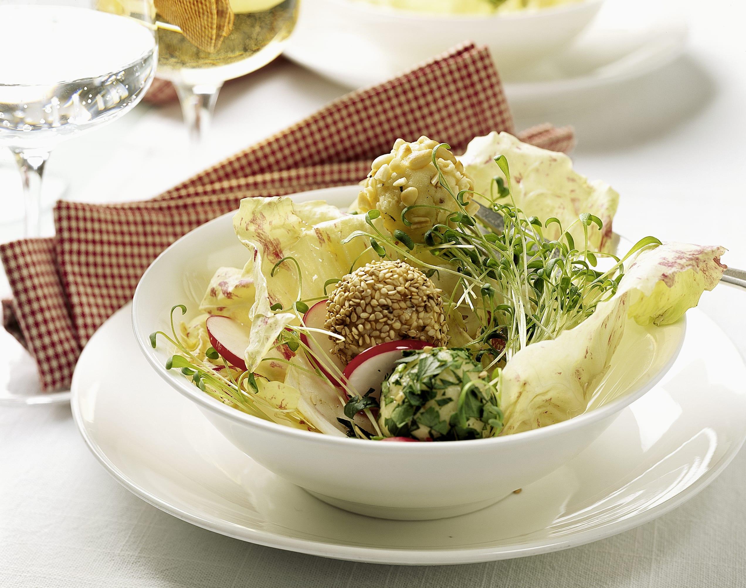 Salade printanière aux truffes au fromage