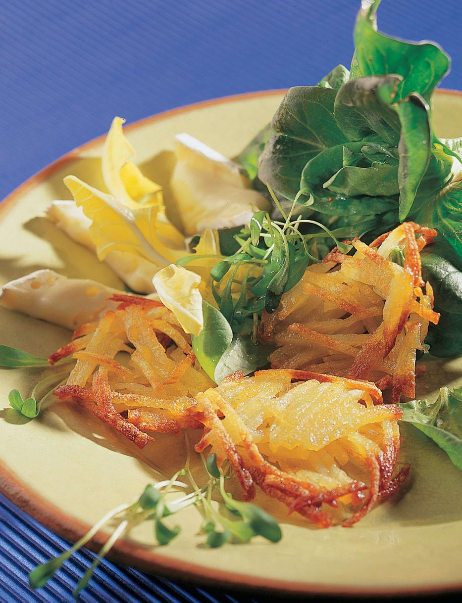 Salade printanière avec pommes crisps