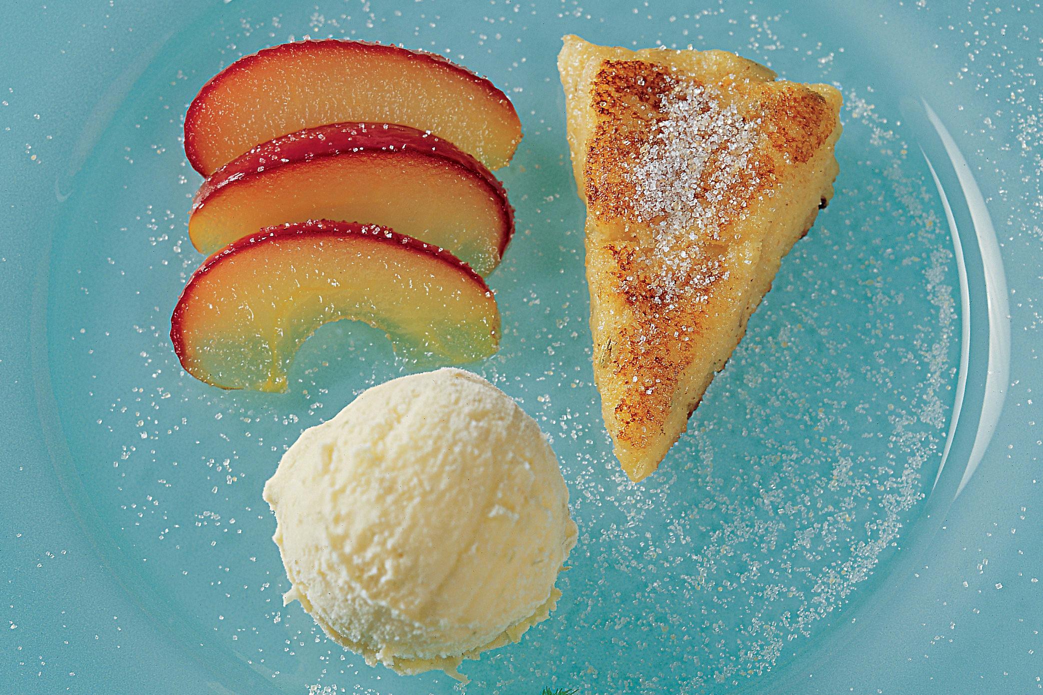 Gâteau de semoule glace au fenouil et compote de pommes