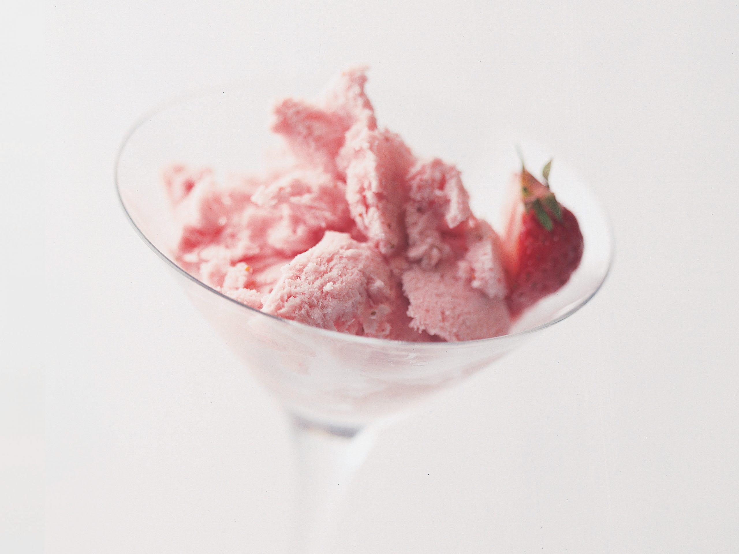 Mousse glacée aux fraises