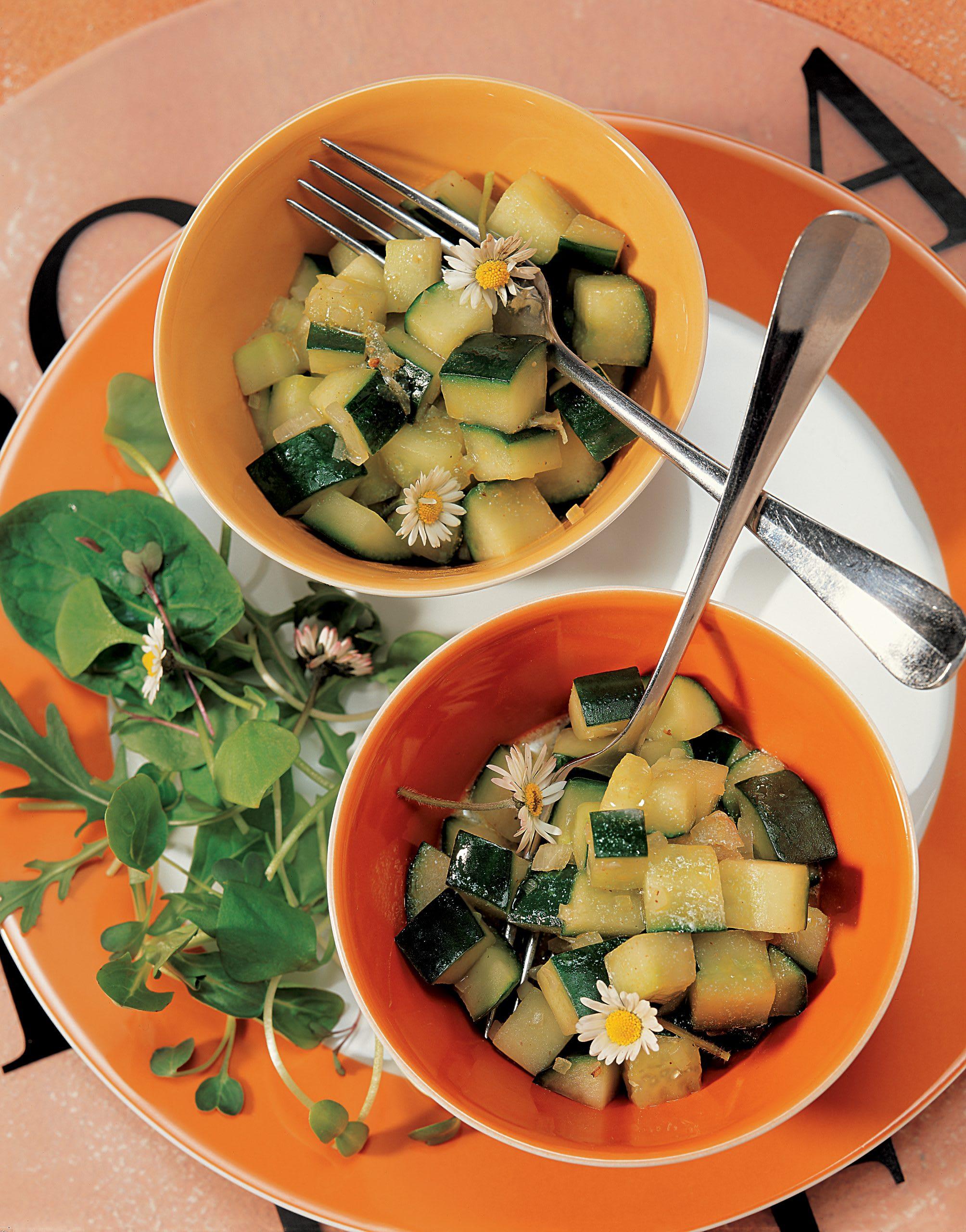 Gekochter Gurkensalat