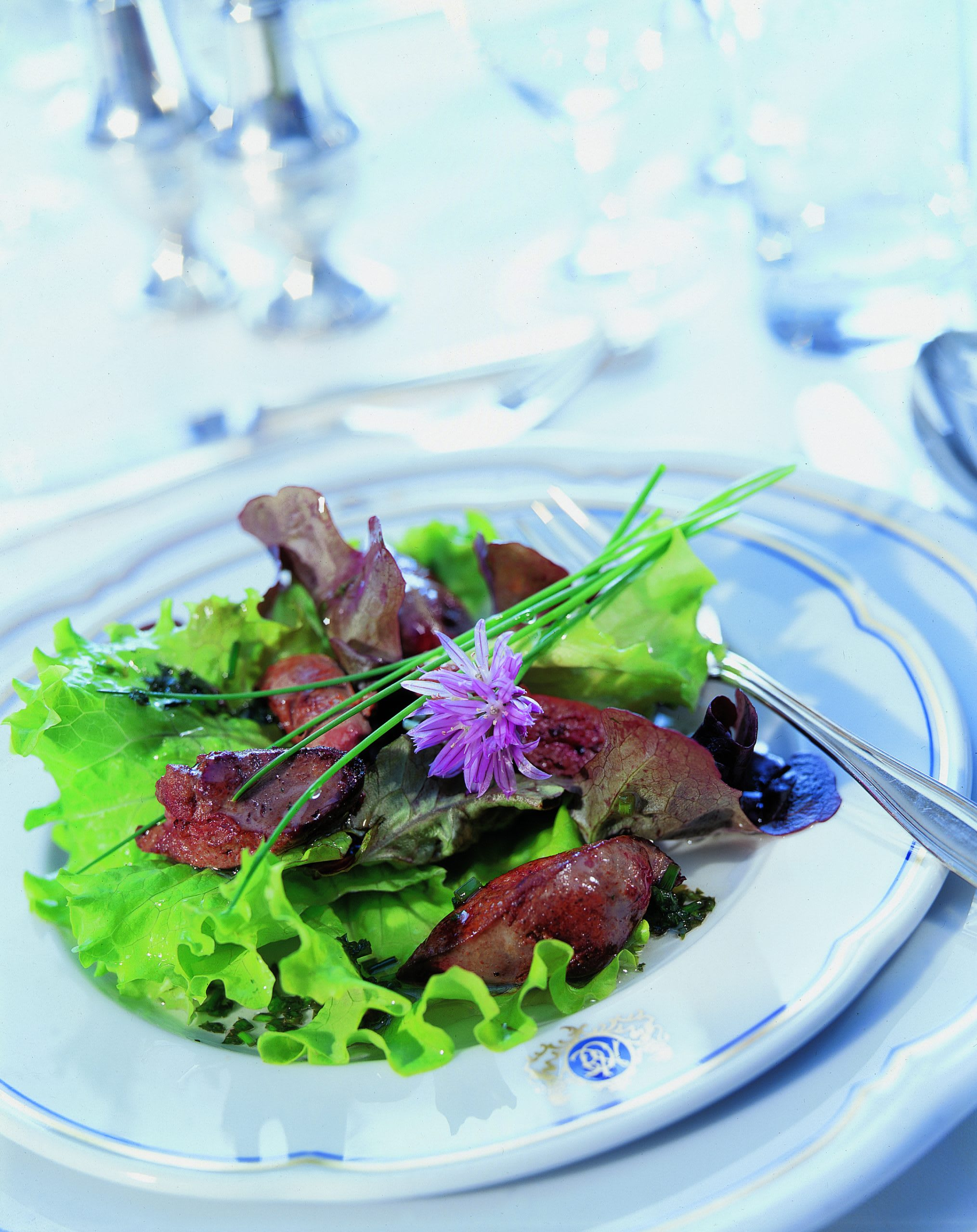 Salade mêlée au foie de volaille