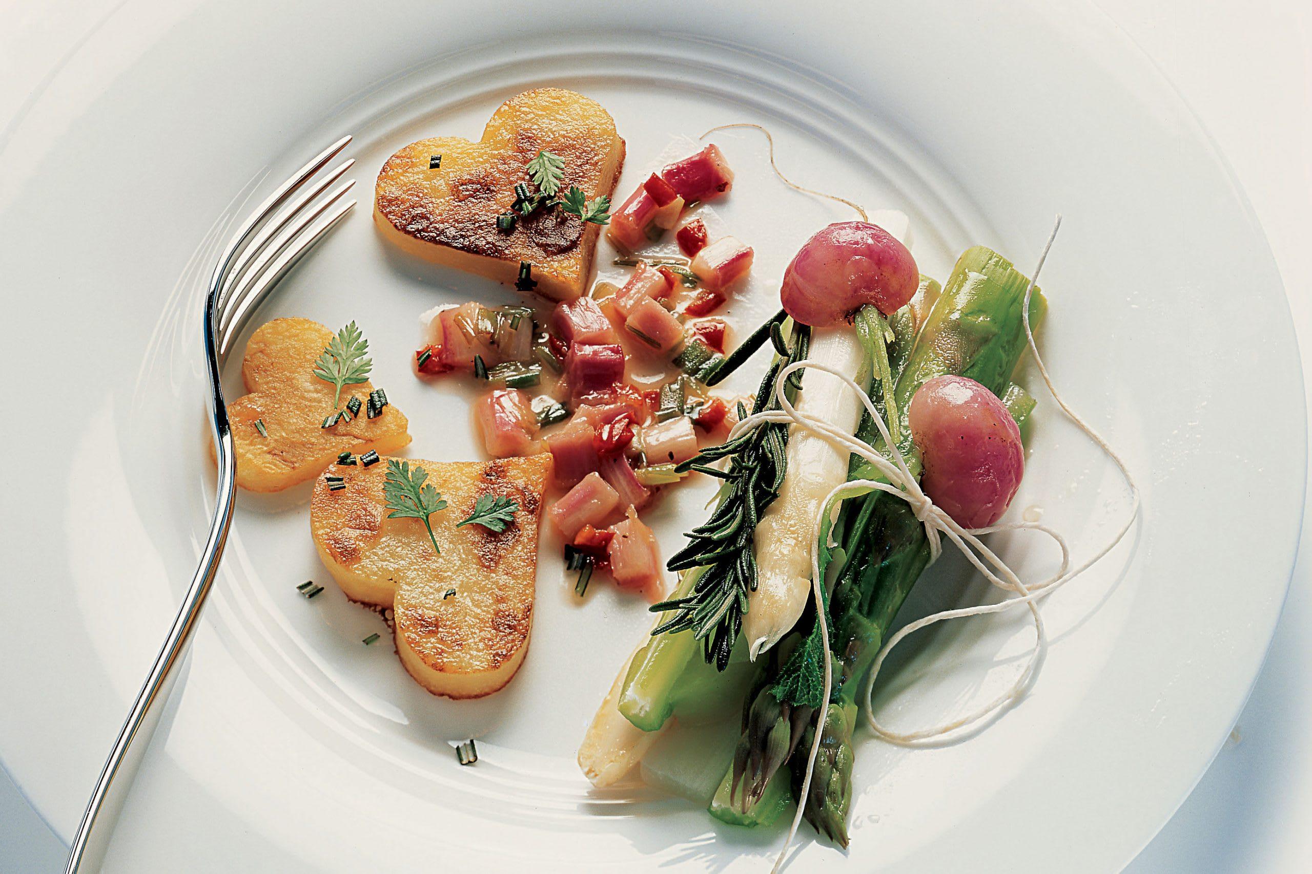 Gemüse-Bündeli mit Kartoffelherzen