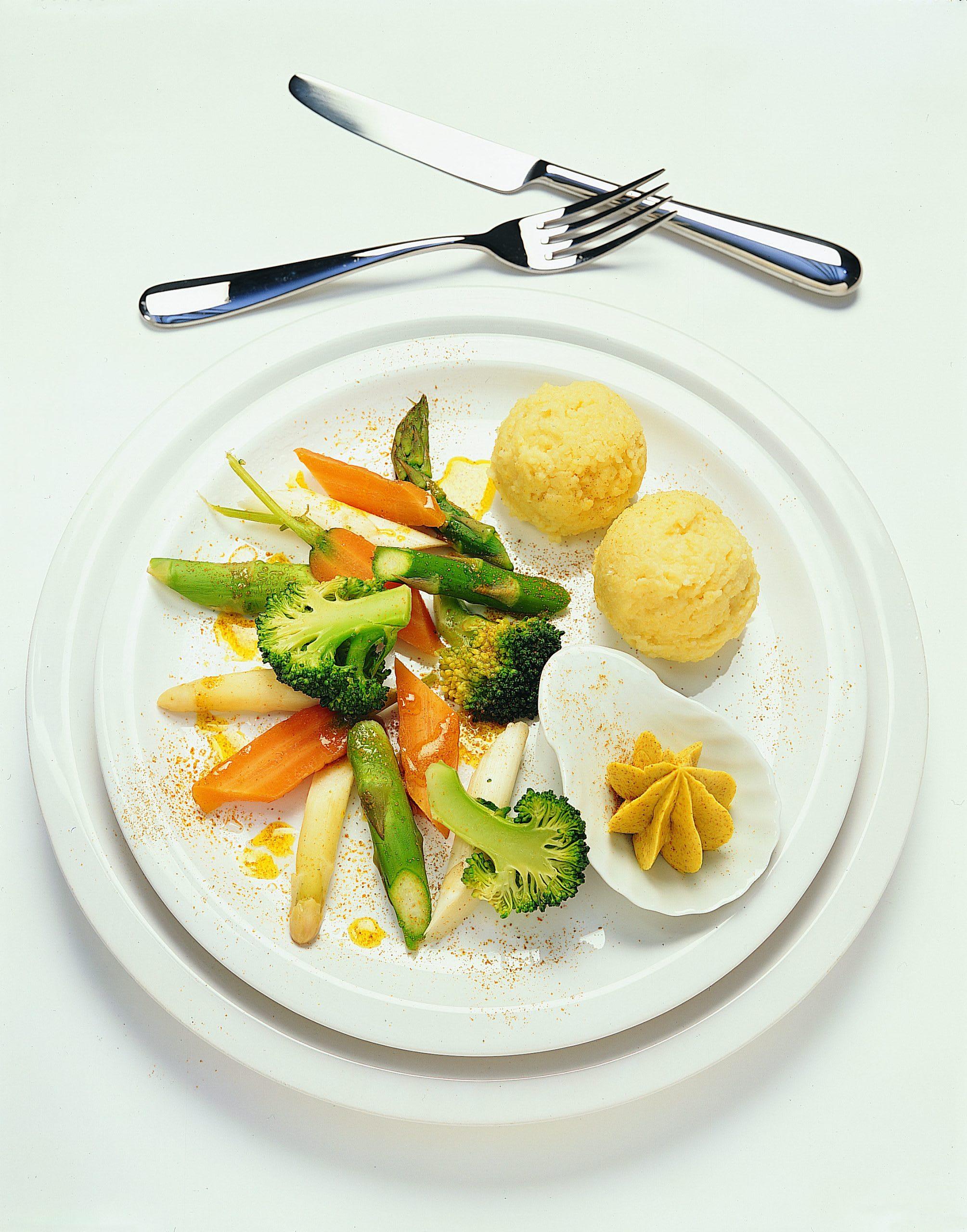 Gemüse mit Hirsotto und Currybutter