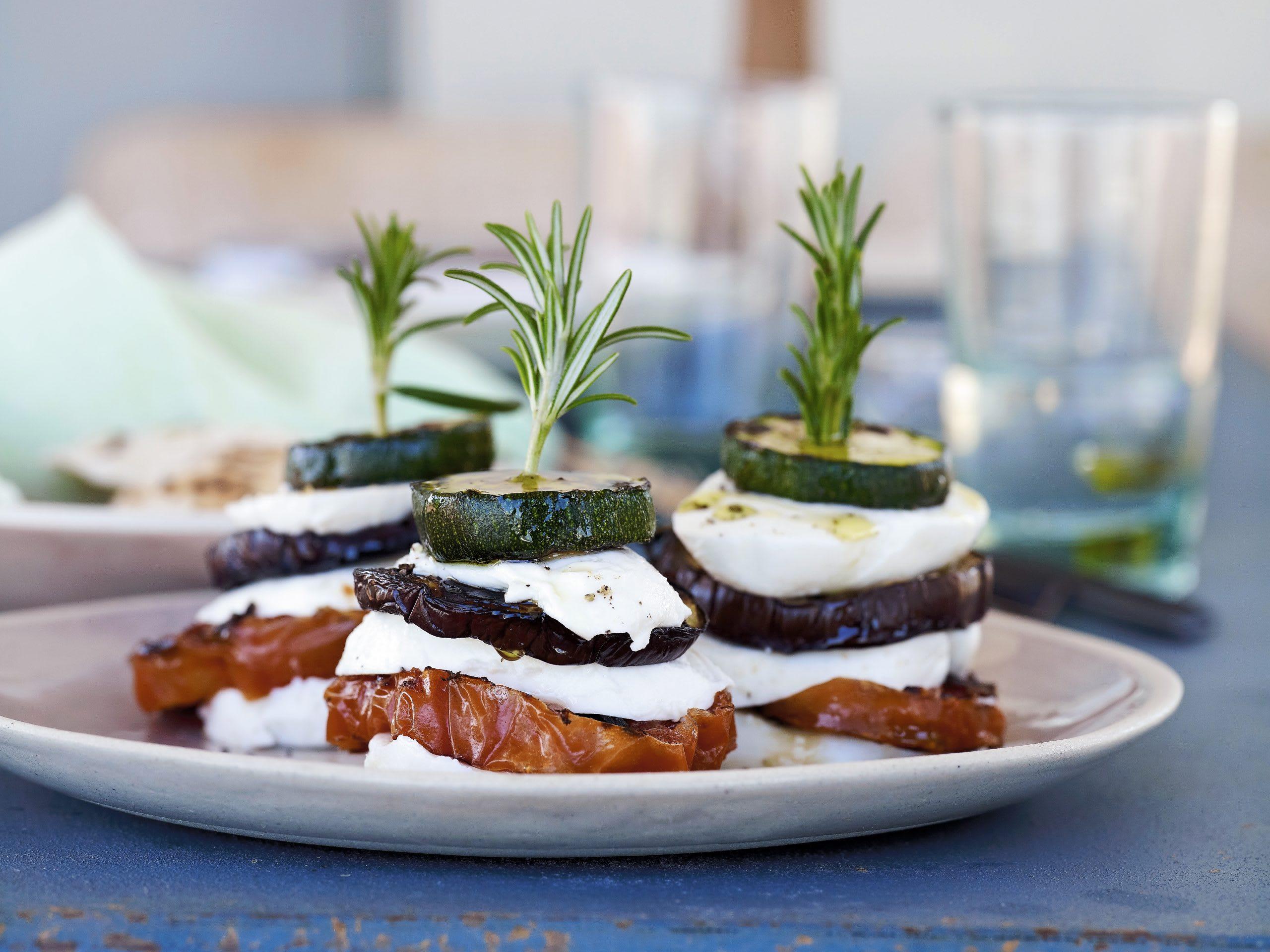 Millefeuille légumes-mozzarella au barbecue
