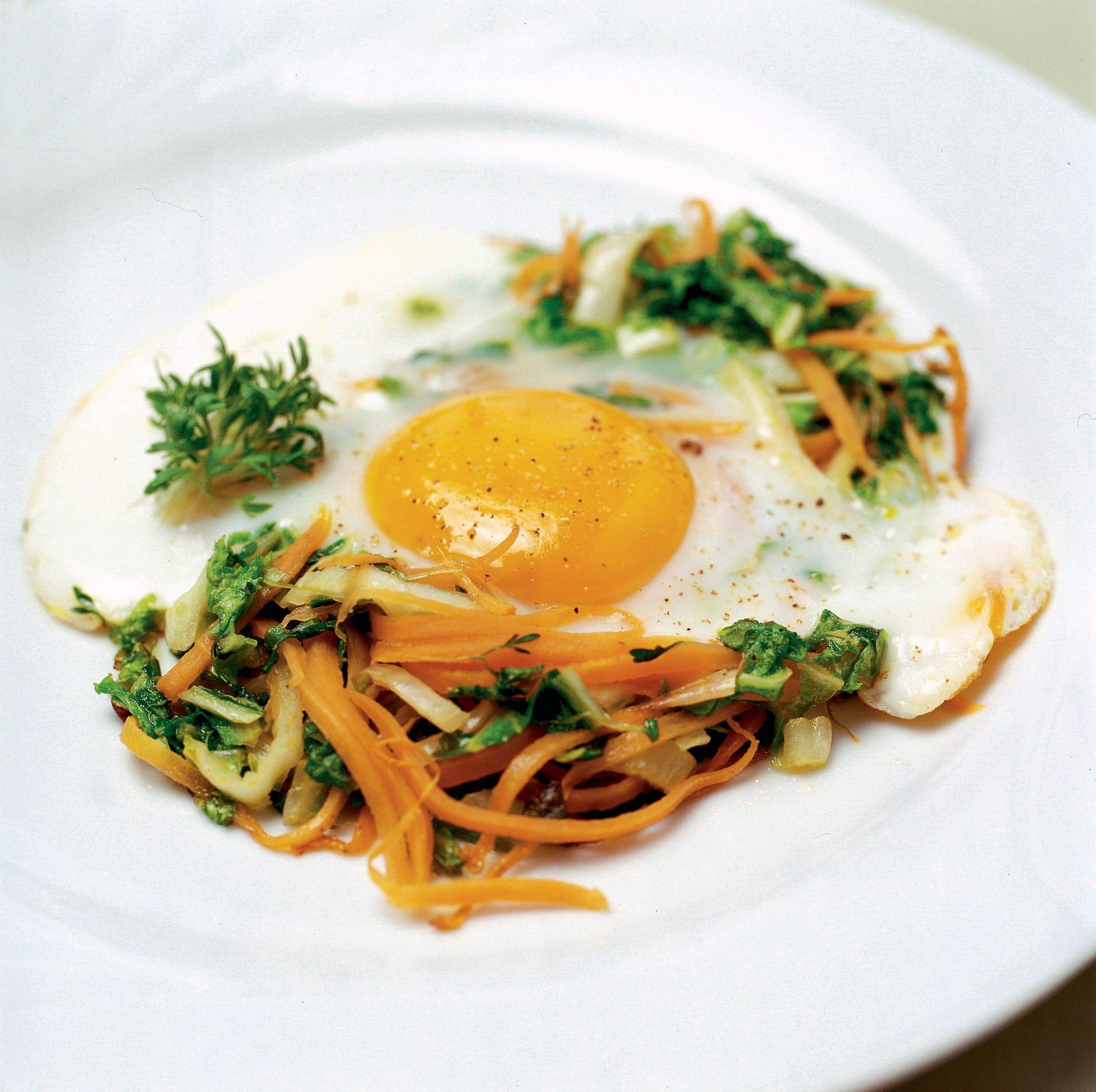 Julienne de légumes et oeuf au plat (low carb)