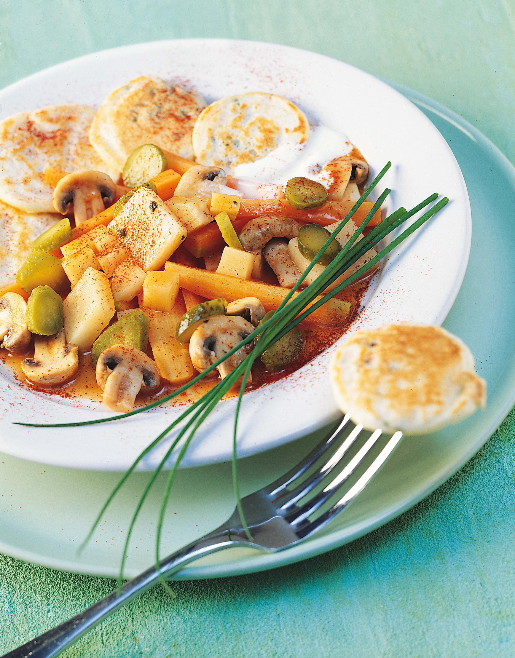 Gemüse-Stroganoff mit Schnittlauch-Blini