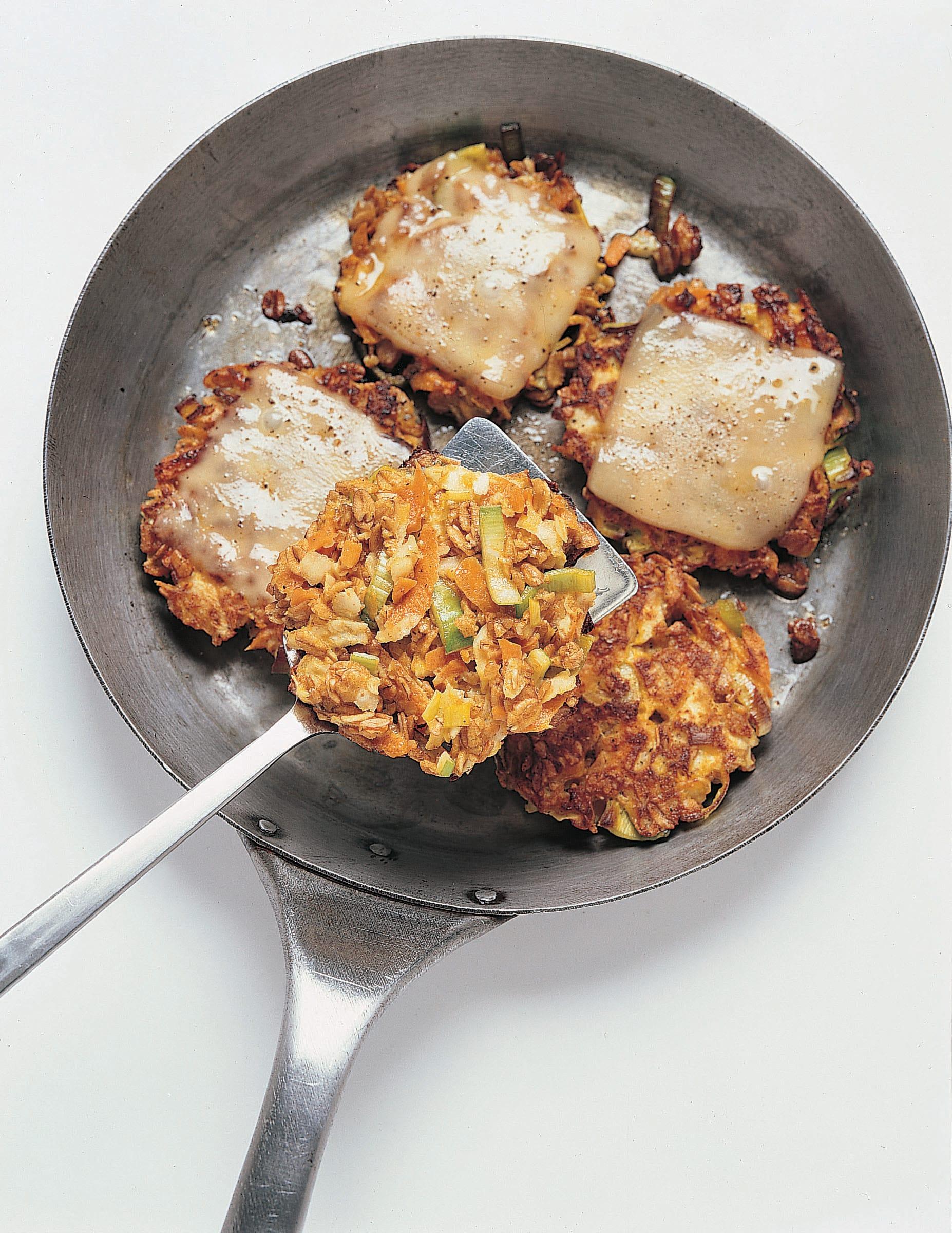 Gemüseburger mit Raclettekäse (Veggie-Burger)