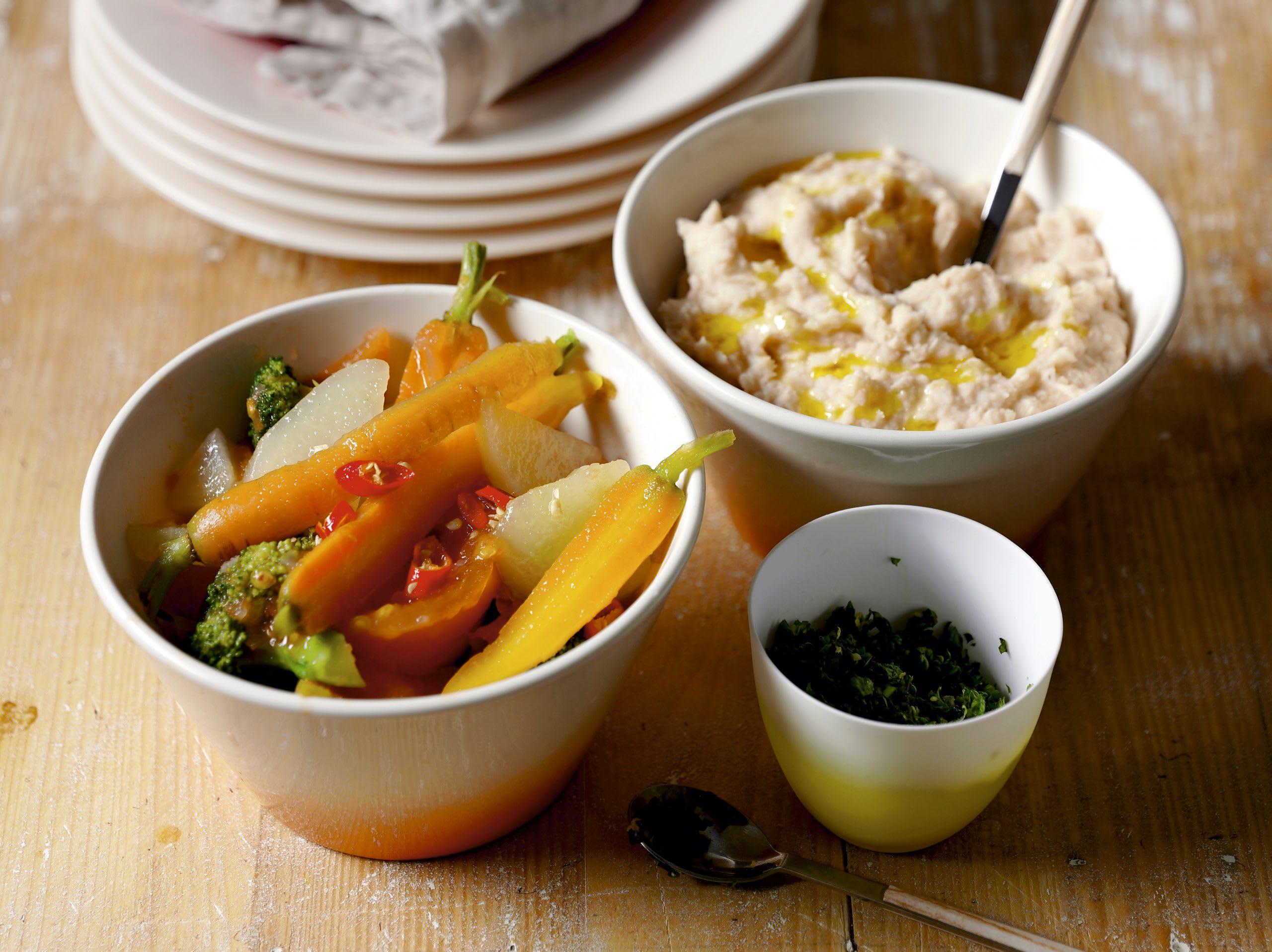 Gemüsechili mit Bohnenpüree