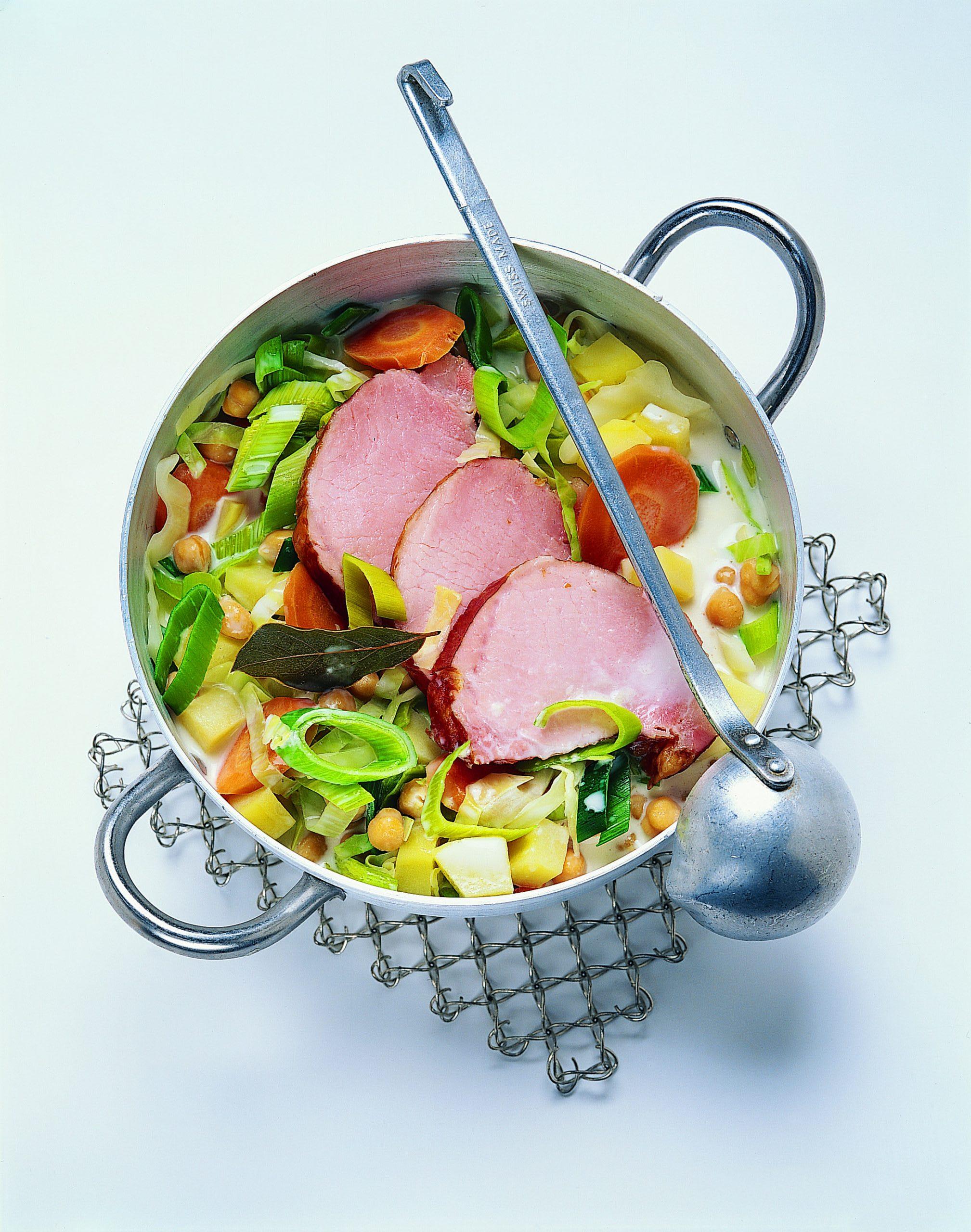 Potée de légumes et viande