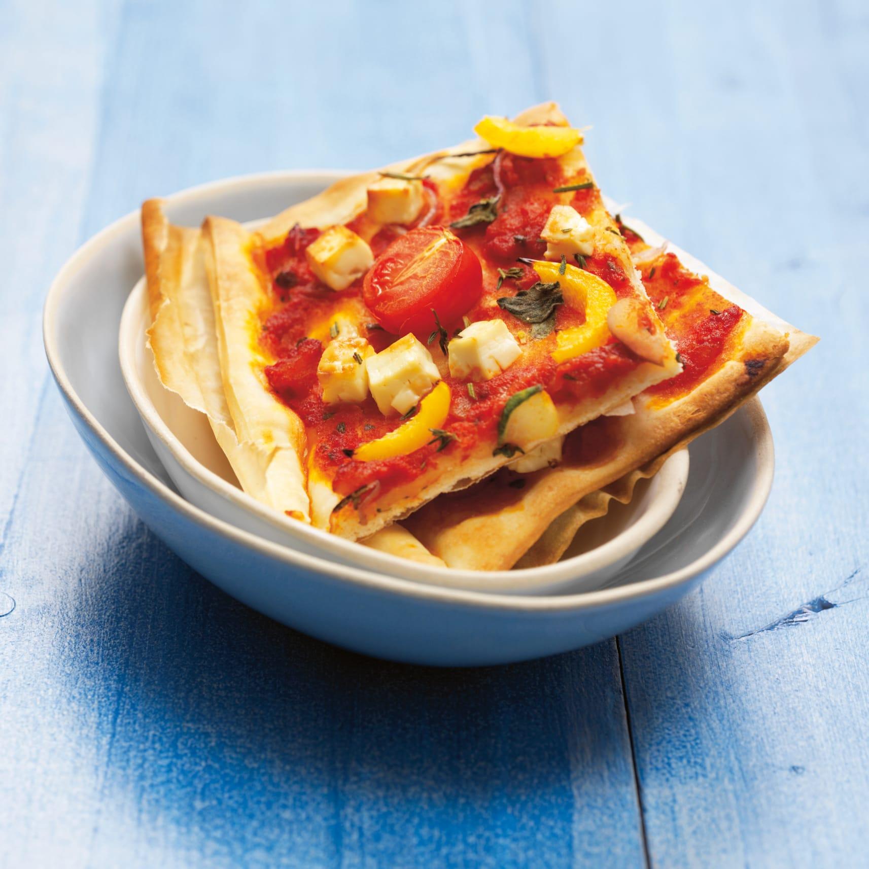 Gemüsepizza mit Frischkäse