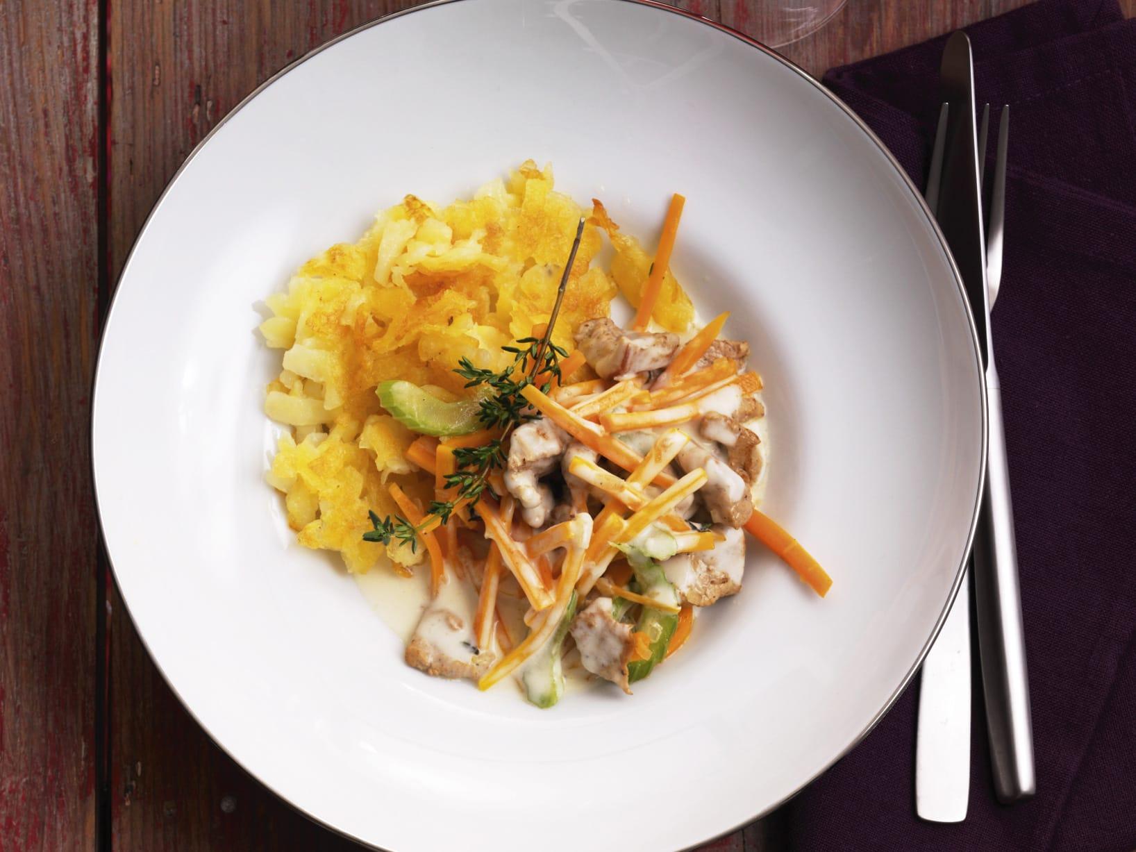 Émincé de veau sauce aux carottes, au céleri et à la crème
