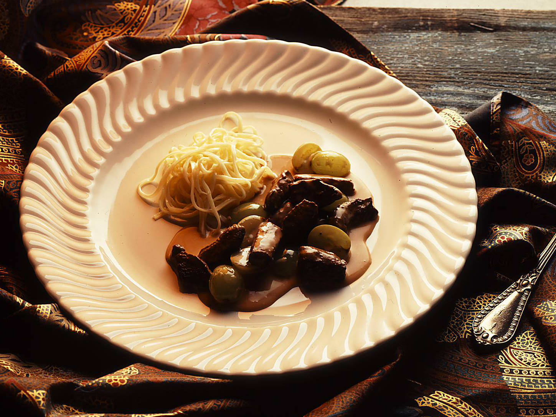 Geschnetzeltes Wildfleisch mit Trauben
