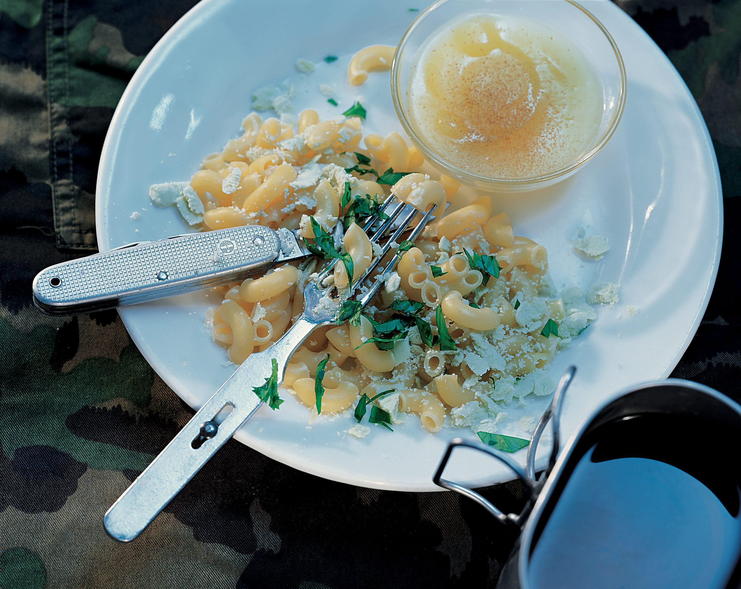 Cornettes à la glaronnaise et purée de pommes