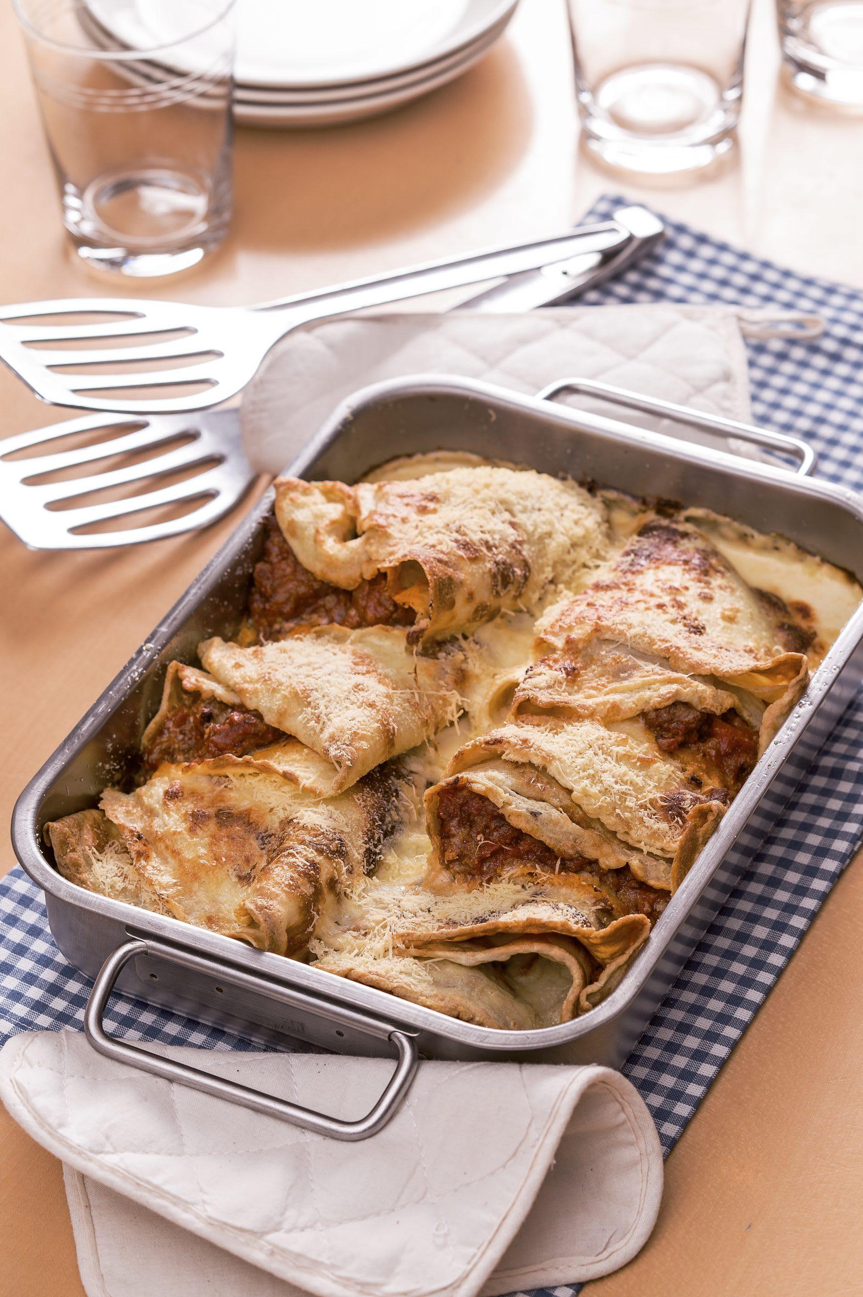 Gratinierte Omeletten à la bolognese