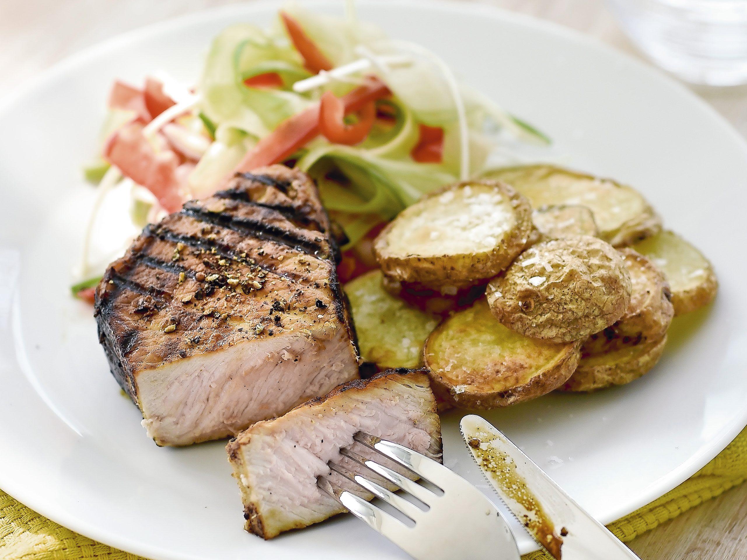 Grill-Steak mit Joghurt-Gemüse