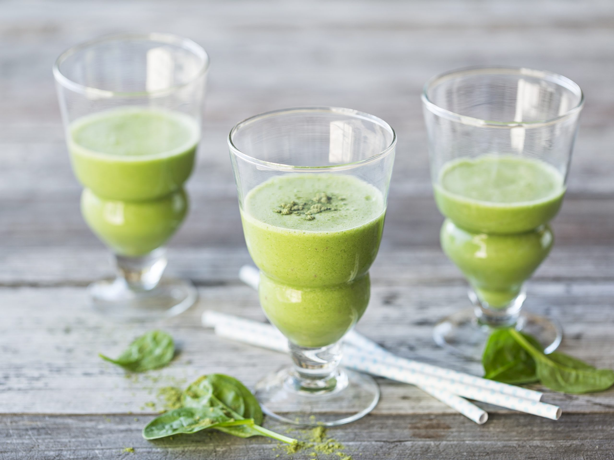 Green smoothie (épinards-pomme-cynorhodon)