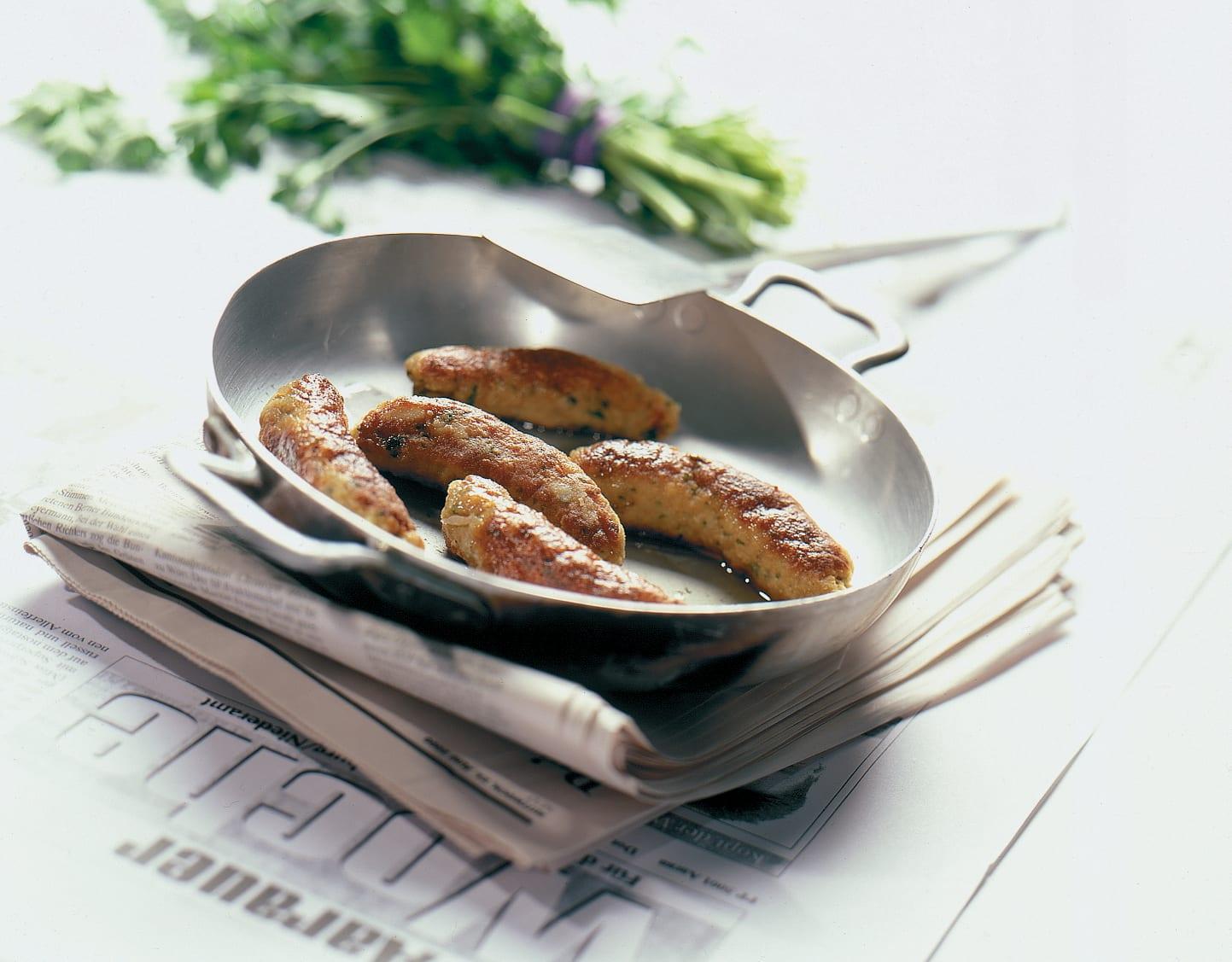 Petites saucisses de viande hachée