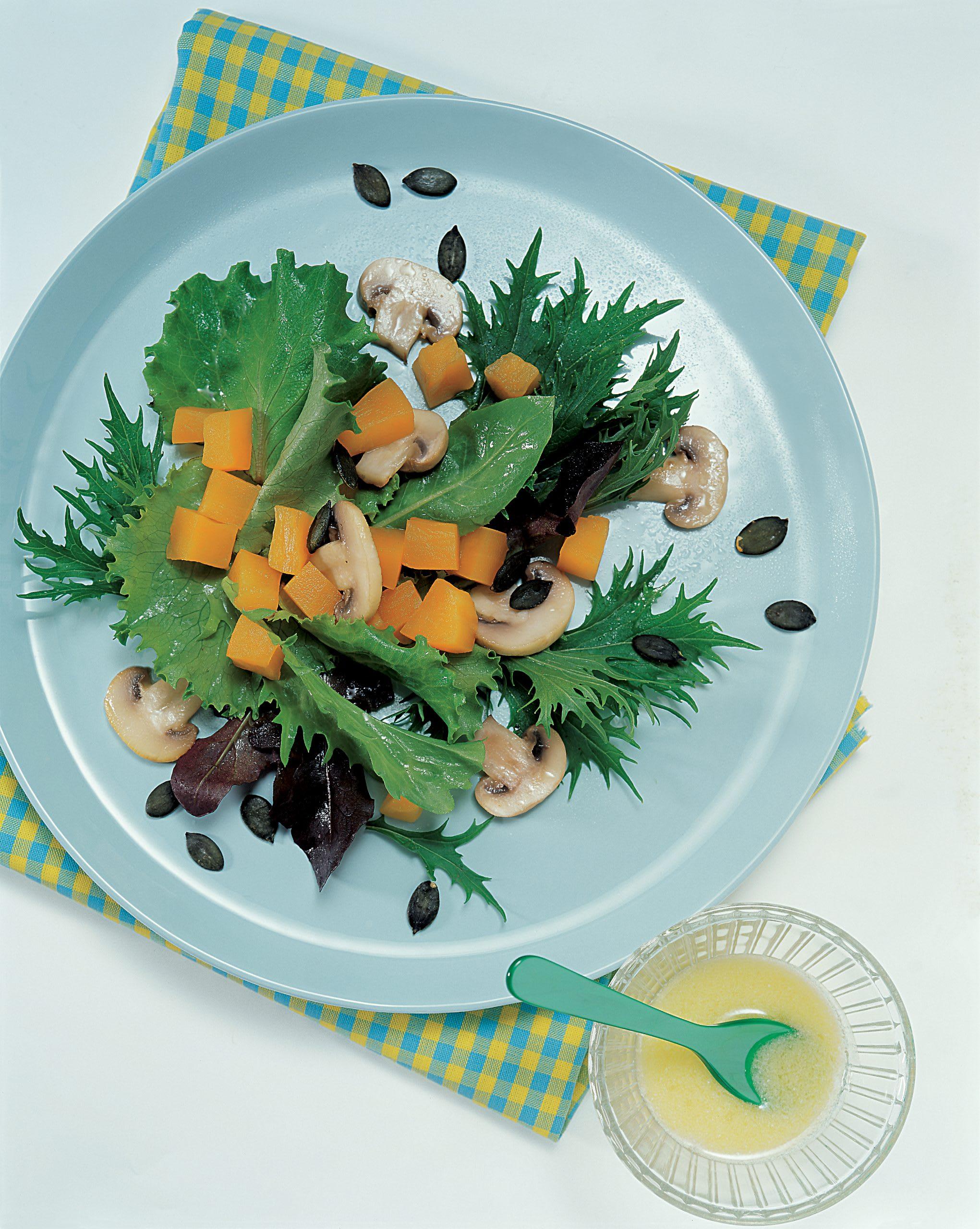 Salade automnale aux champignons et à la courge