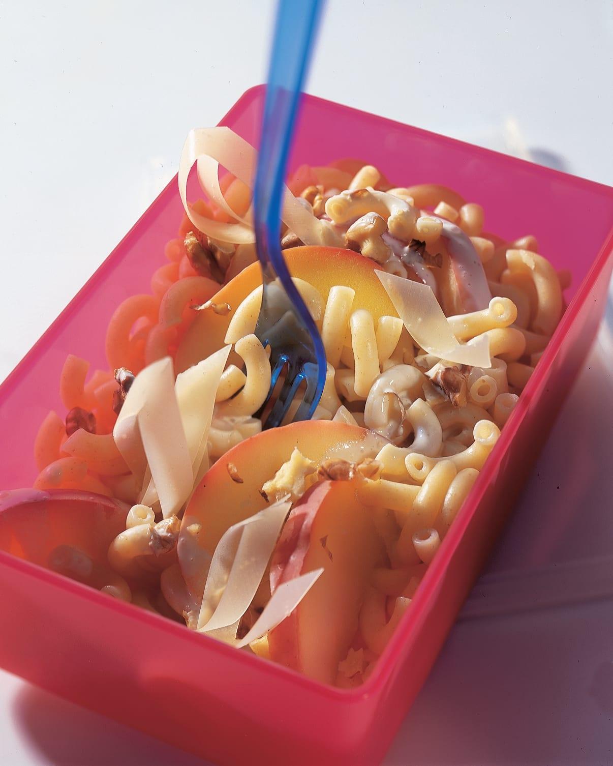 Salade de cornettes fromage-noix (à emporter)