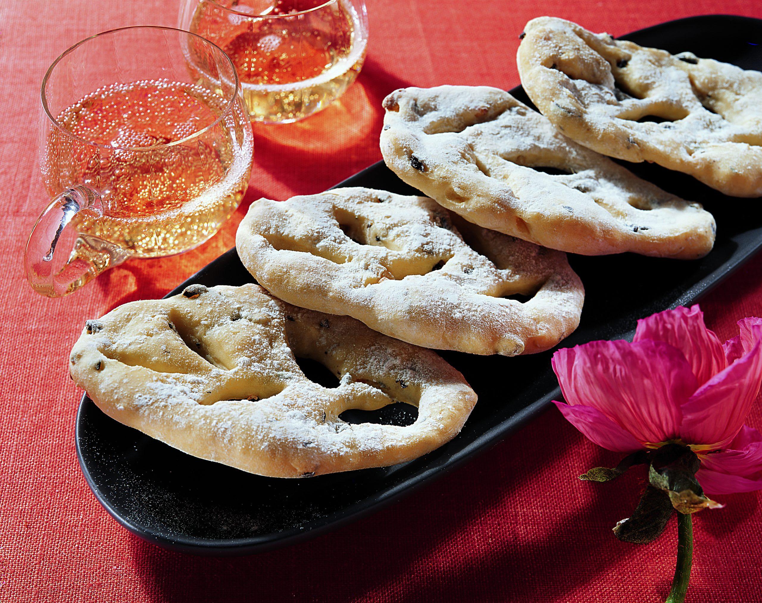 Punch de sureau et fougasses aux olives
