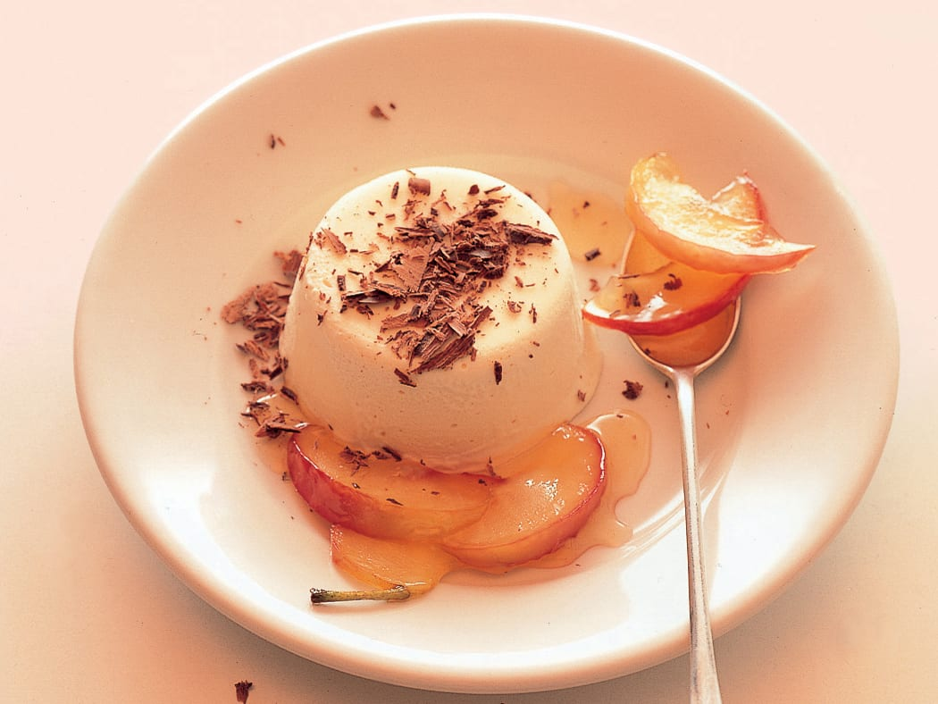 Honig-Mascarpone mit Apfelschnitzen