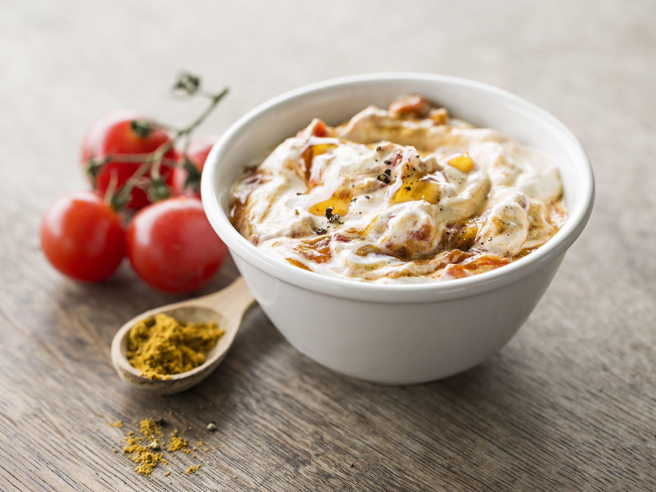 Joghurt-Tomaten-Curry-Sauce (Fondue Chinoise oder Dip)