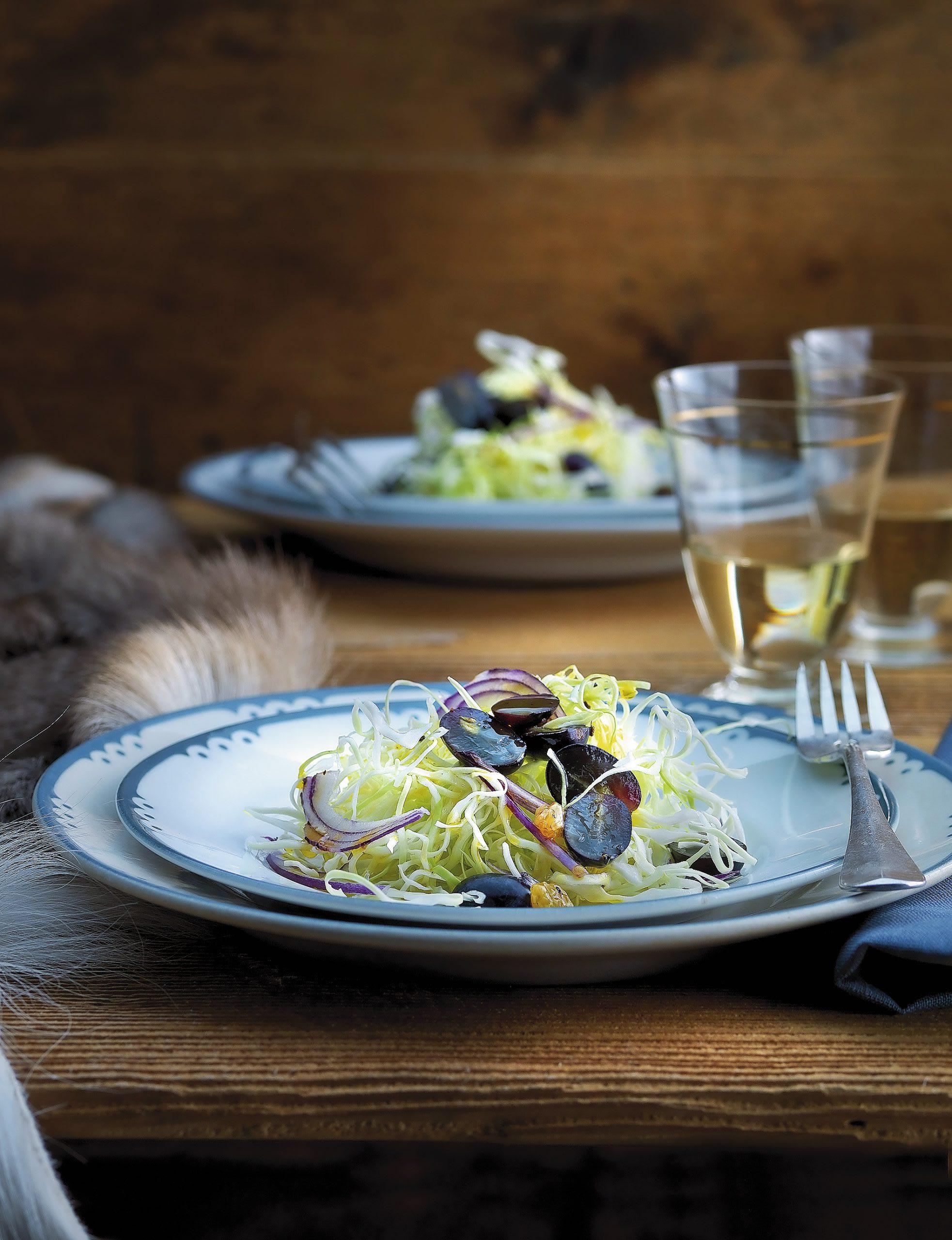Salade de chou aux raisins