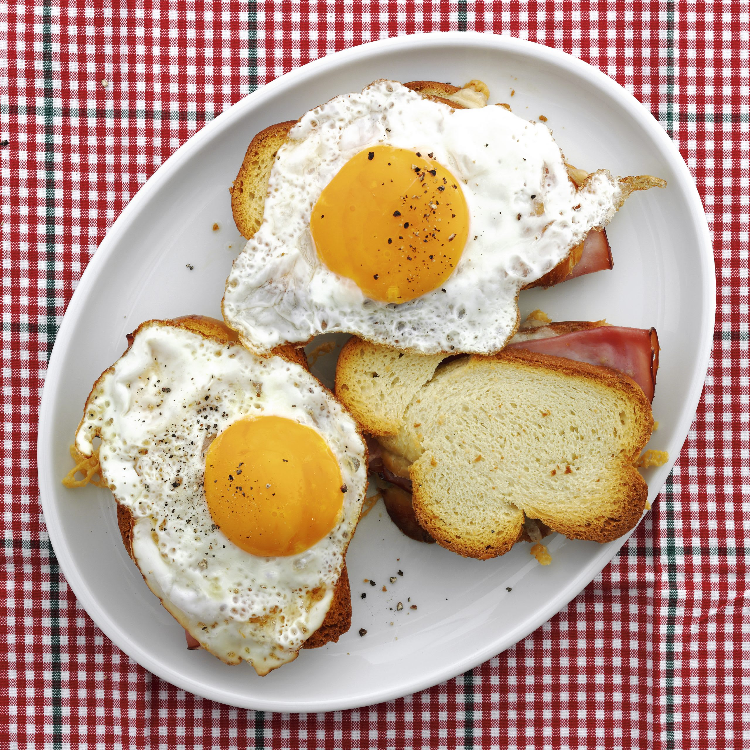Toasts jambon-fromage-oeuf