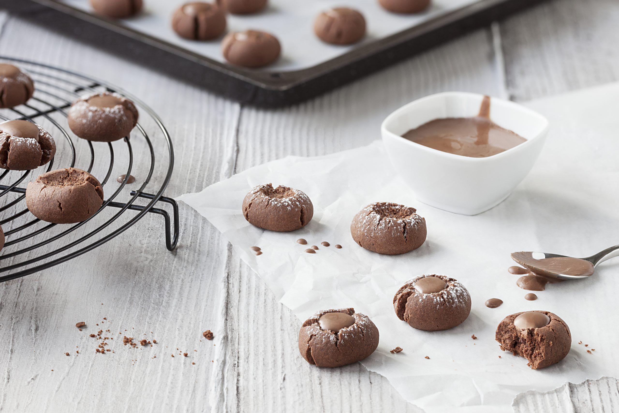 Biscuits au café avec coeur de chocolat