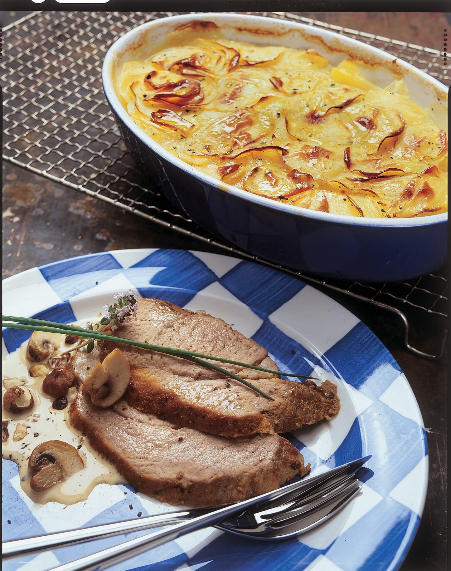 Rôti de veau sauce noisettes-champignons et gratin savoyard