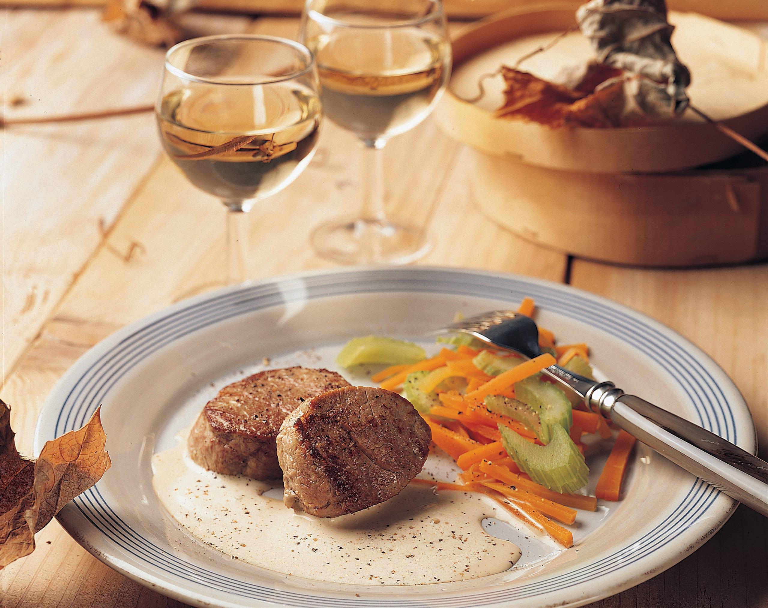 Médaillons de veau, sauce au Vacherin Mont-d'Or