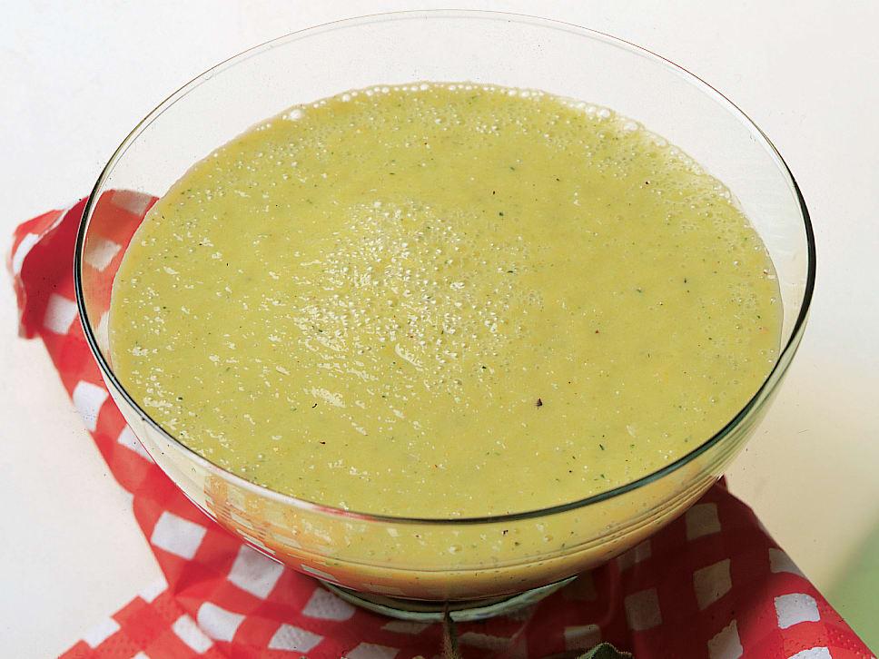 Soupe froide aux poivrons et au yogourt