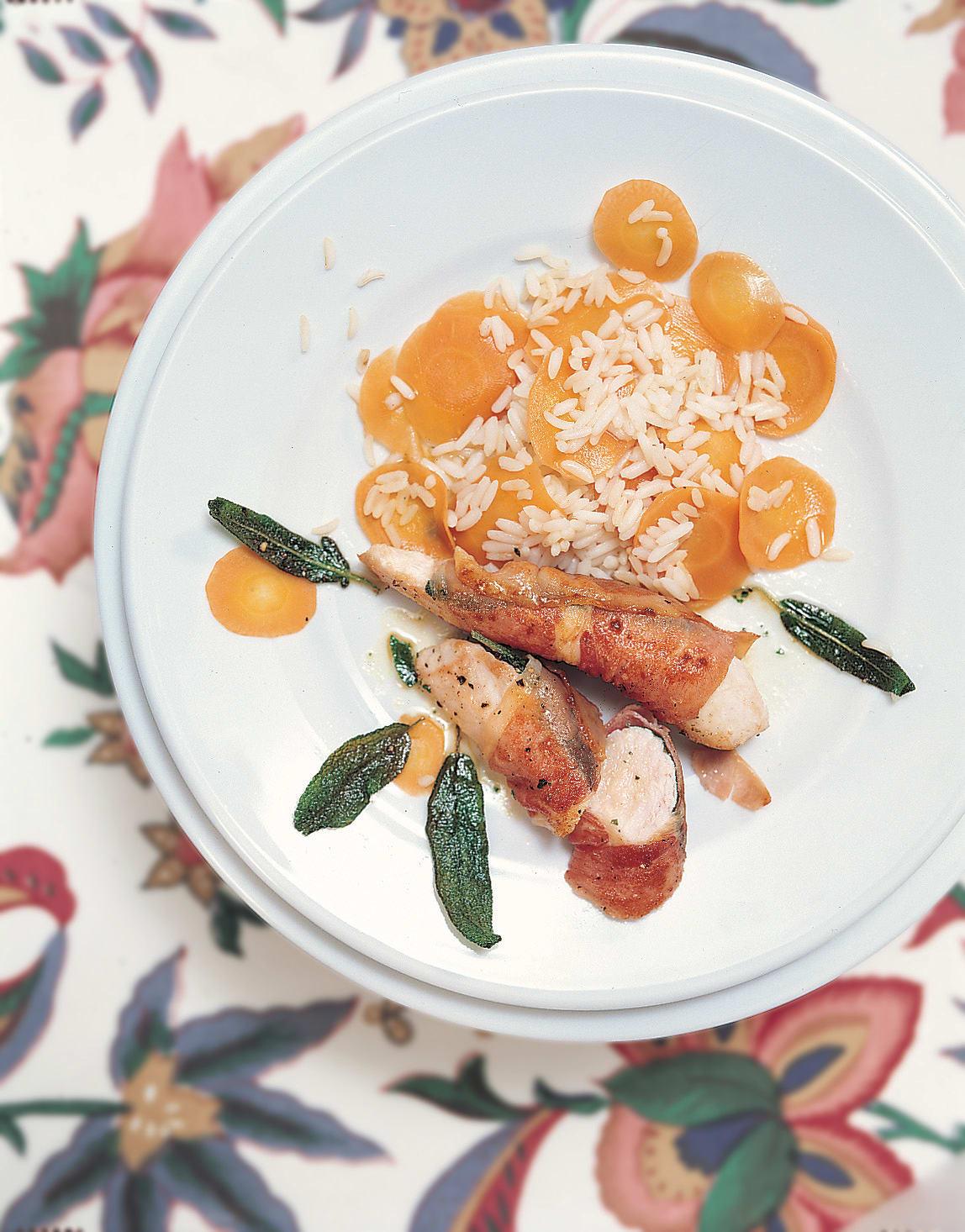 Filets de lapin sur lit de riz aux carottes