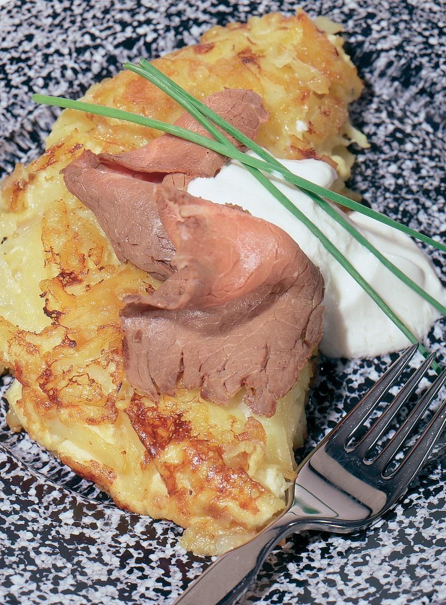 Kartoffelkuchen mit Roastbeef