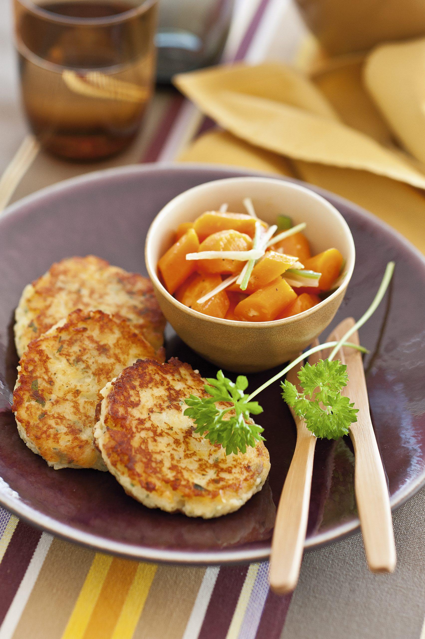 Croquettes de pommes de terre et salade de carottes tièdes