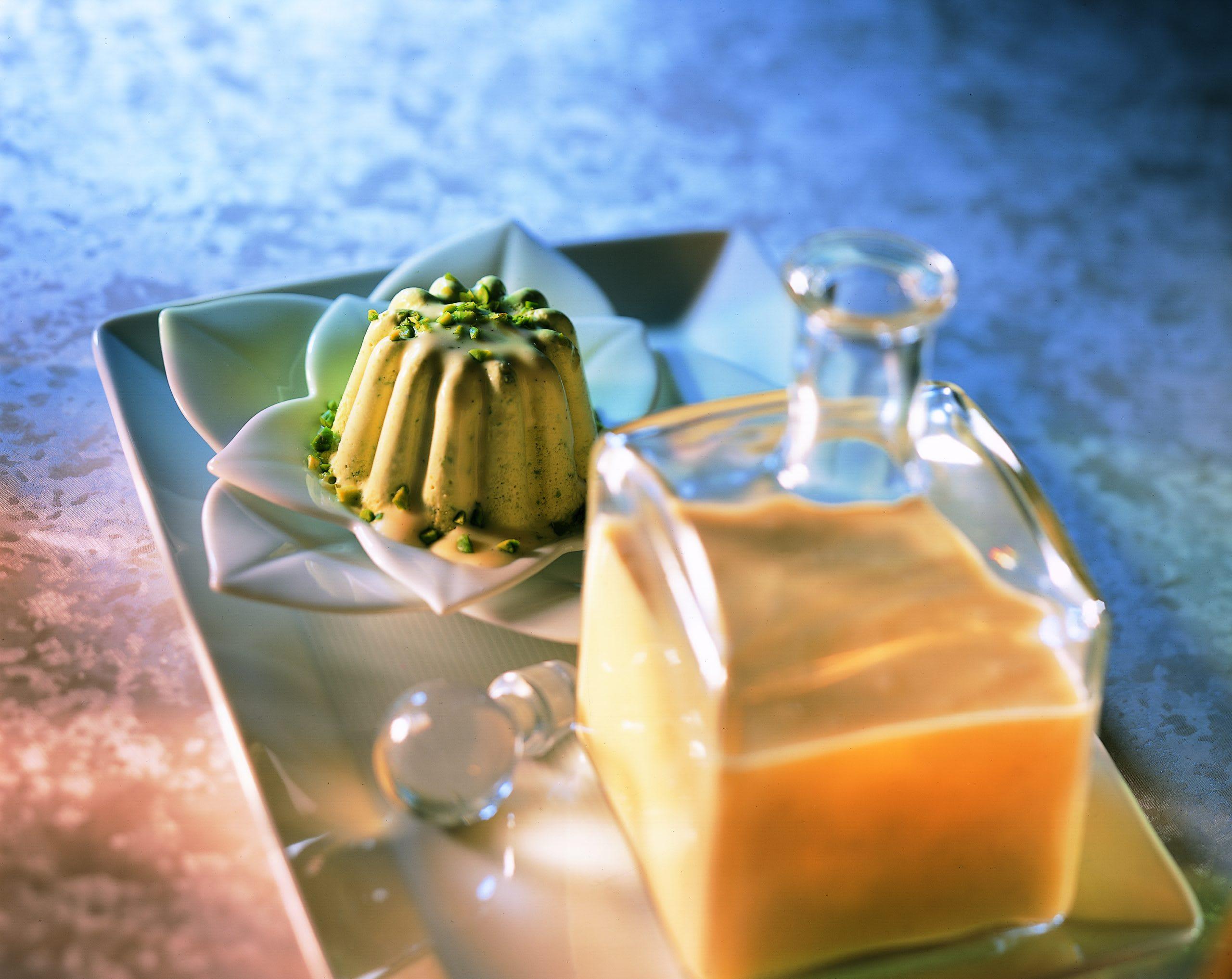 Liqueur aux oeufs et parfait glacé à la pistache