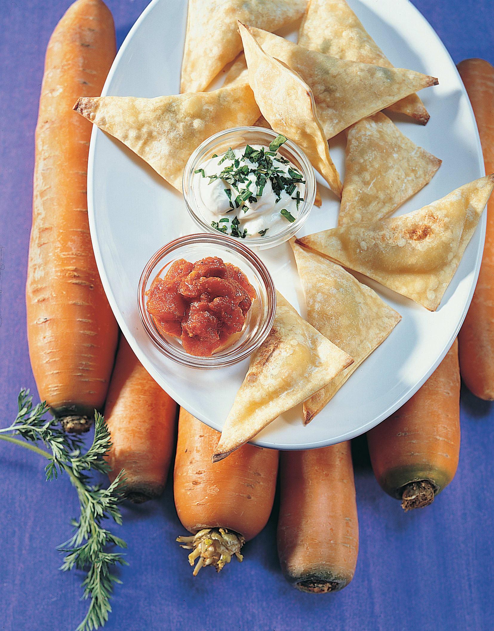 Triangles de légumes et leur dips au séré et aux tomates