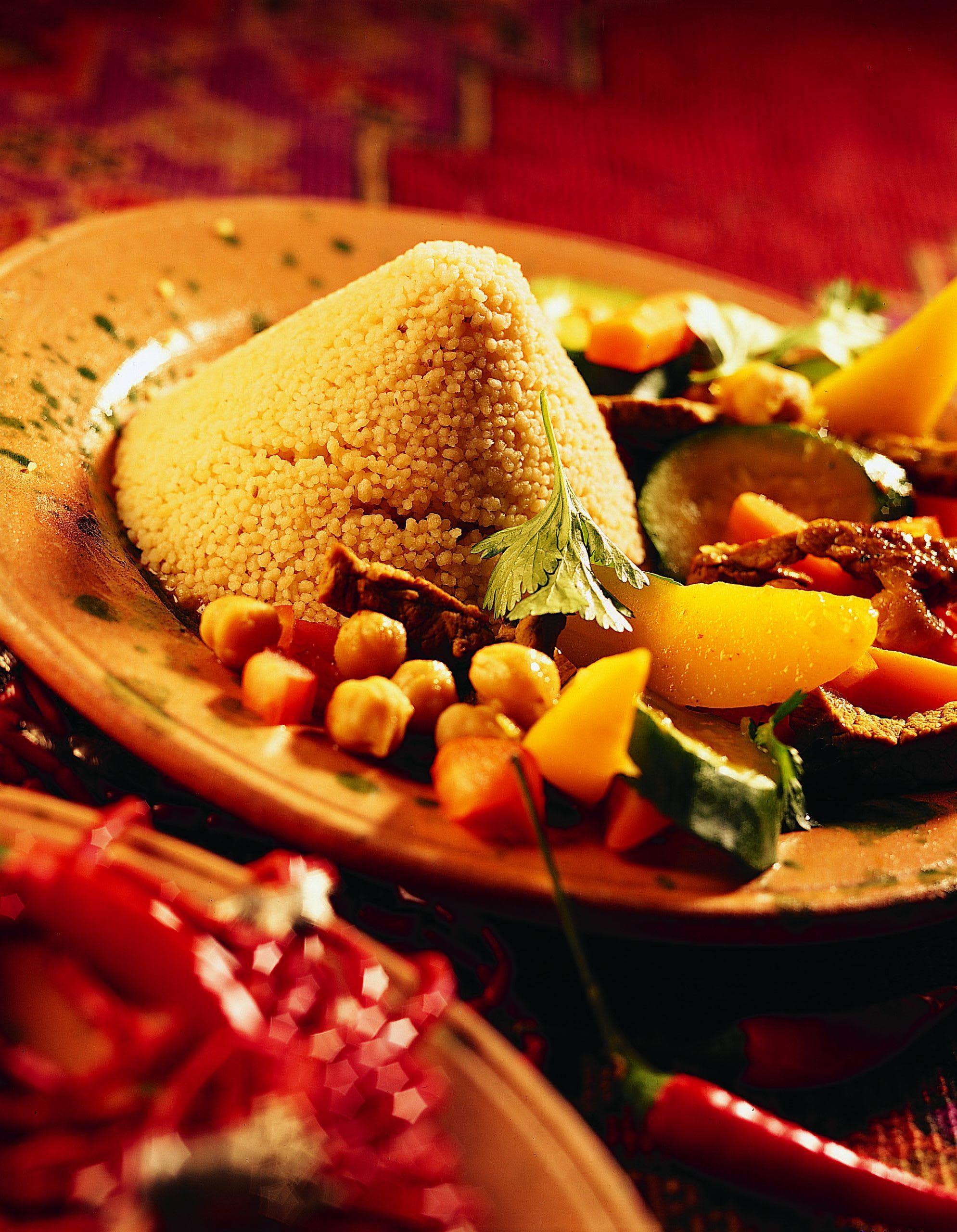 Kouski bil Lahm (Couscous mit Rindfleisch und Gemüse)