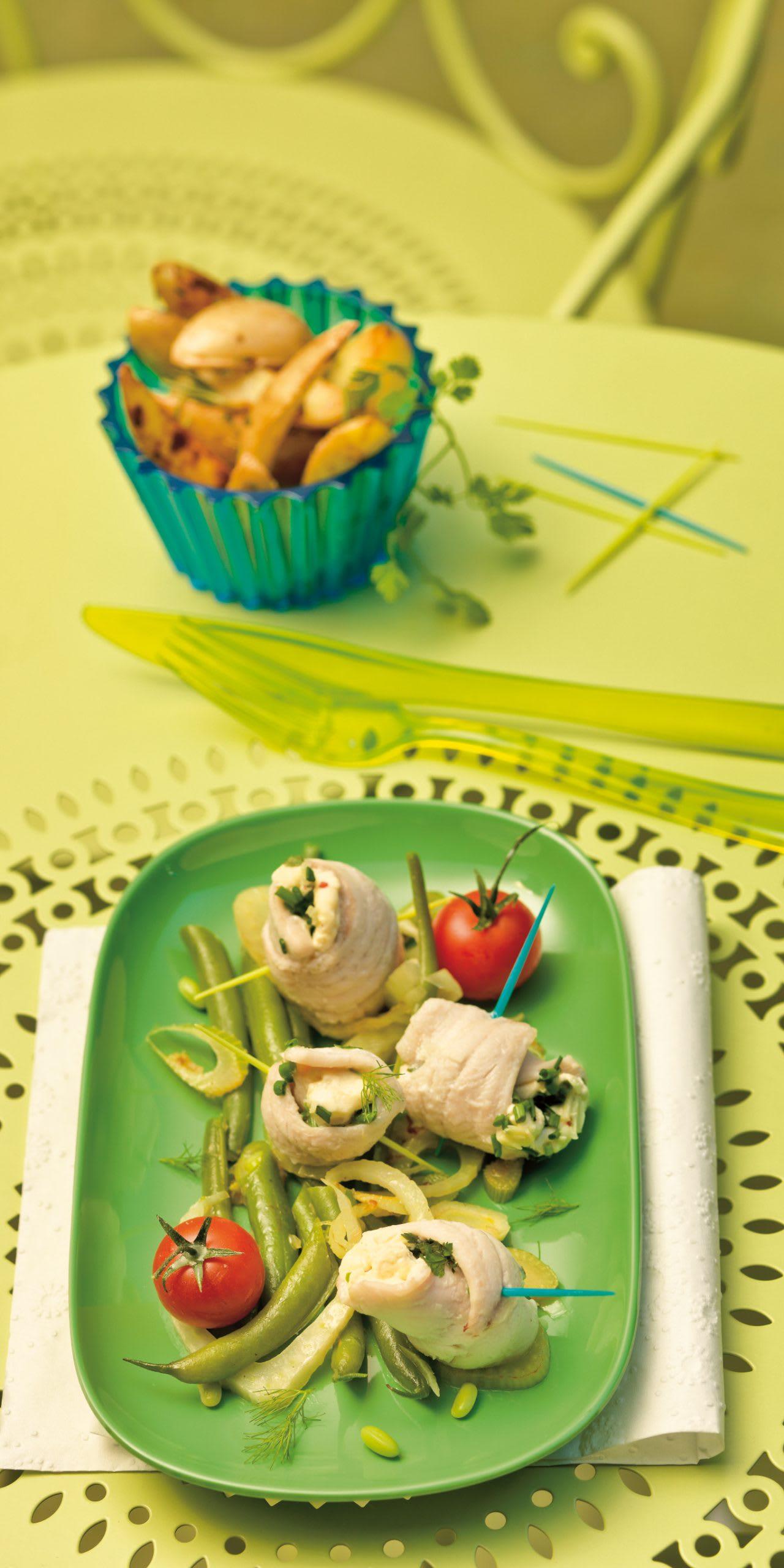 Roulades de poisson et légumes aux herbes