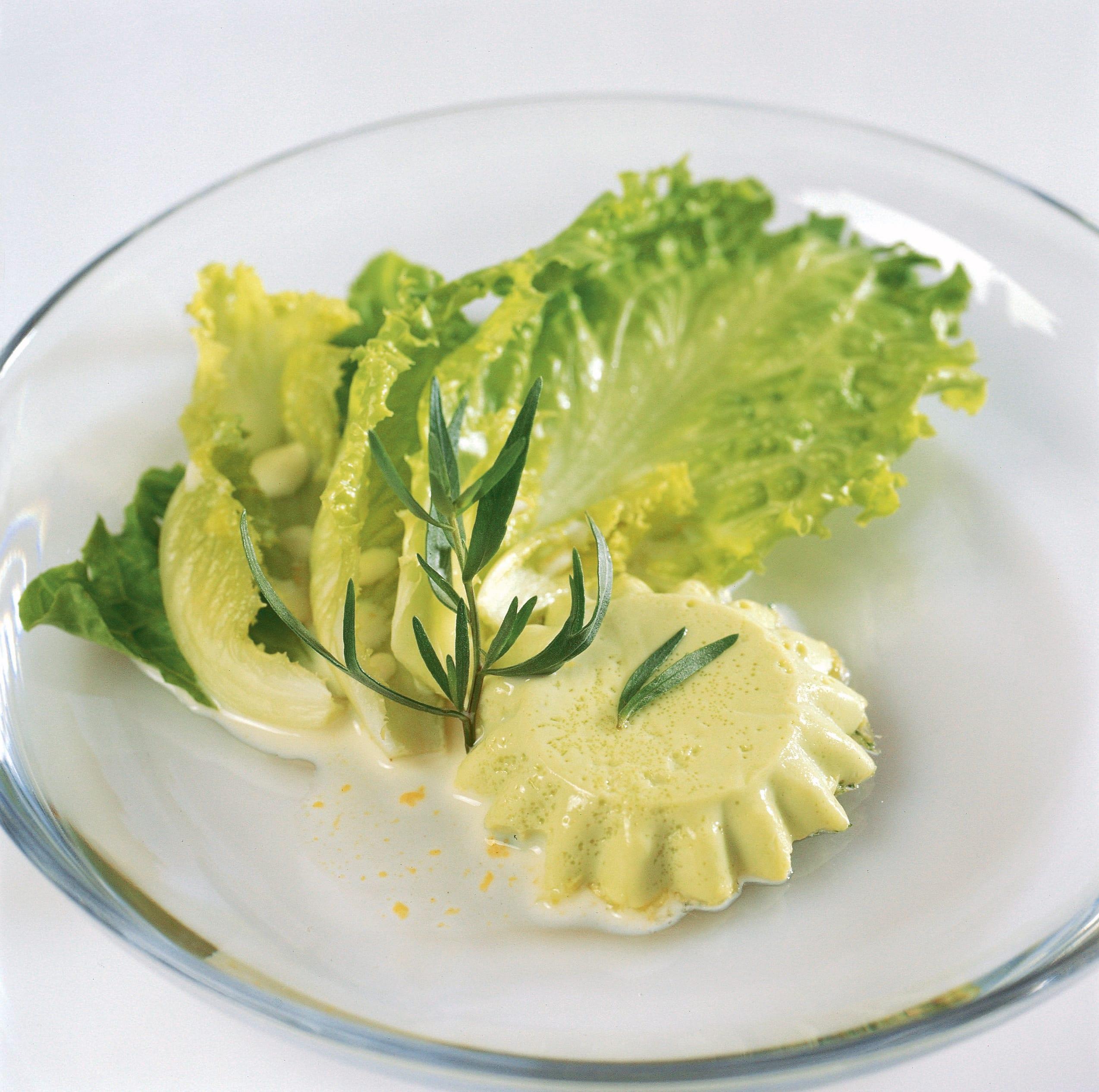 Kräuter-Milch-Flan mit Salat