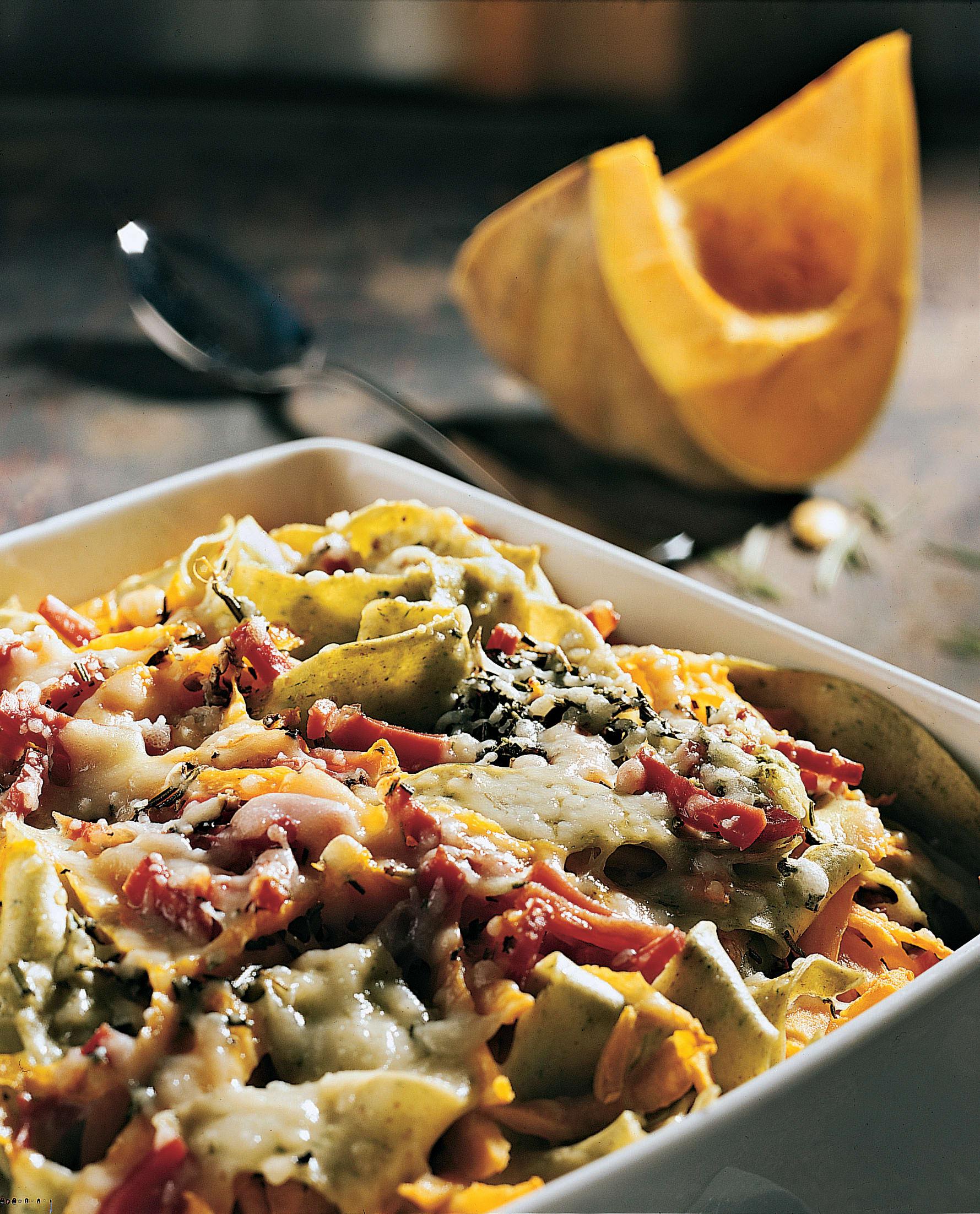 Kürbis-Gratin mit Schinken und Pasta