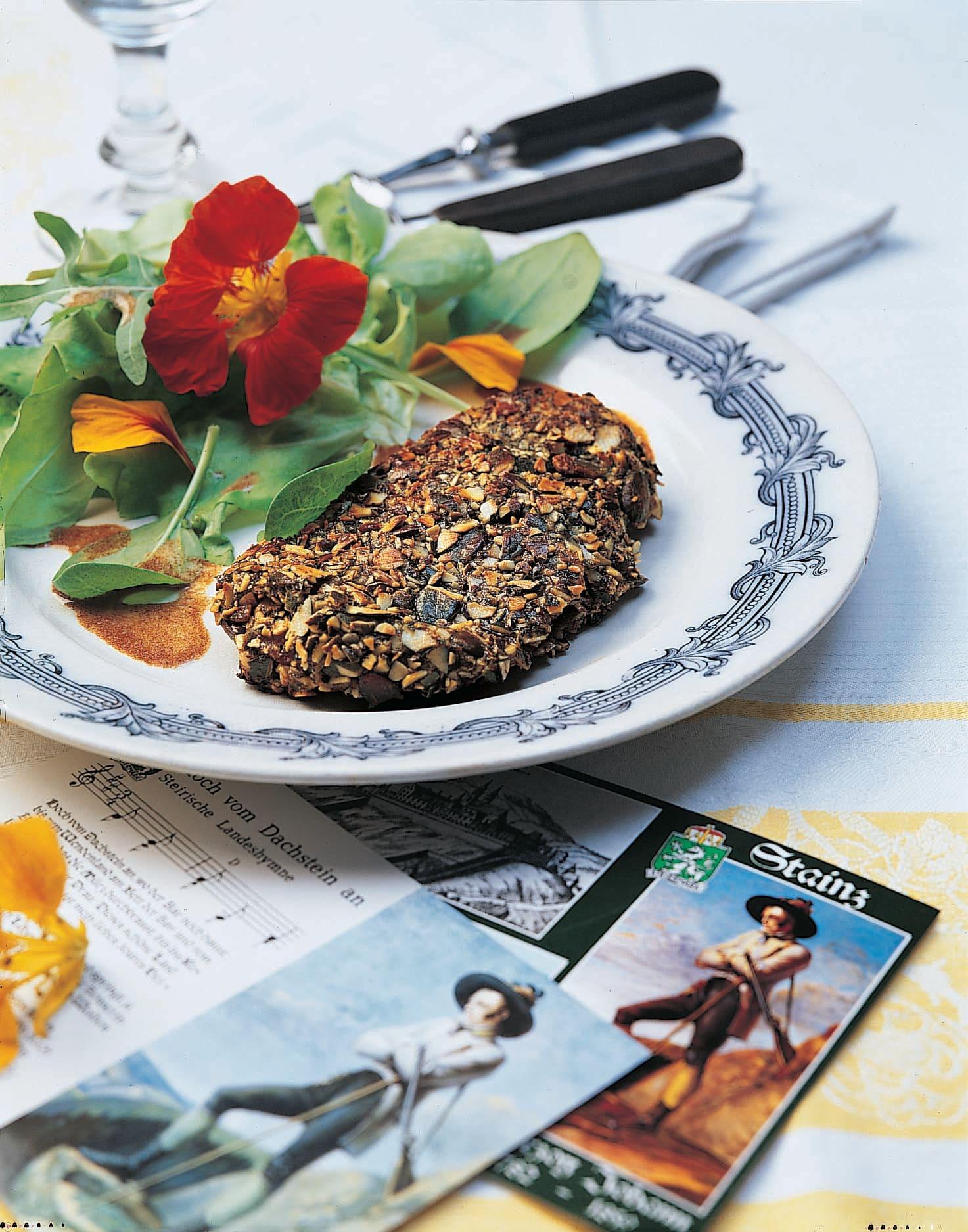 Tranches de veau aux pépins de courge et salade verte